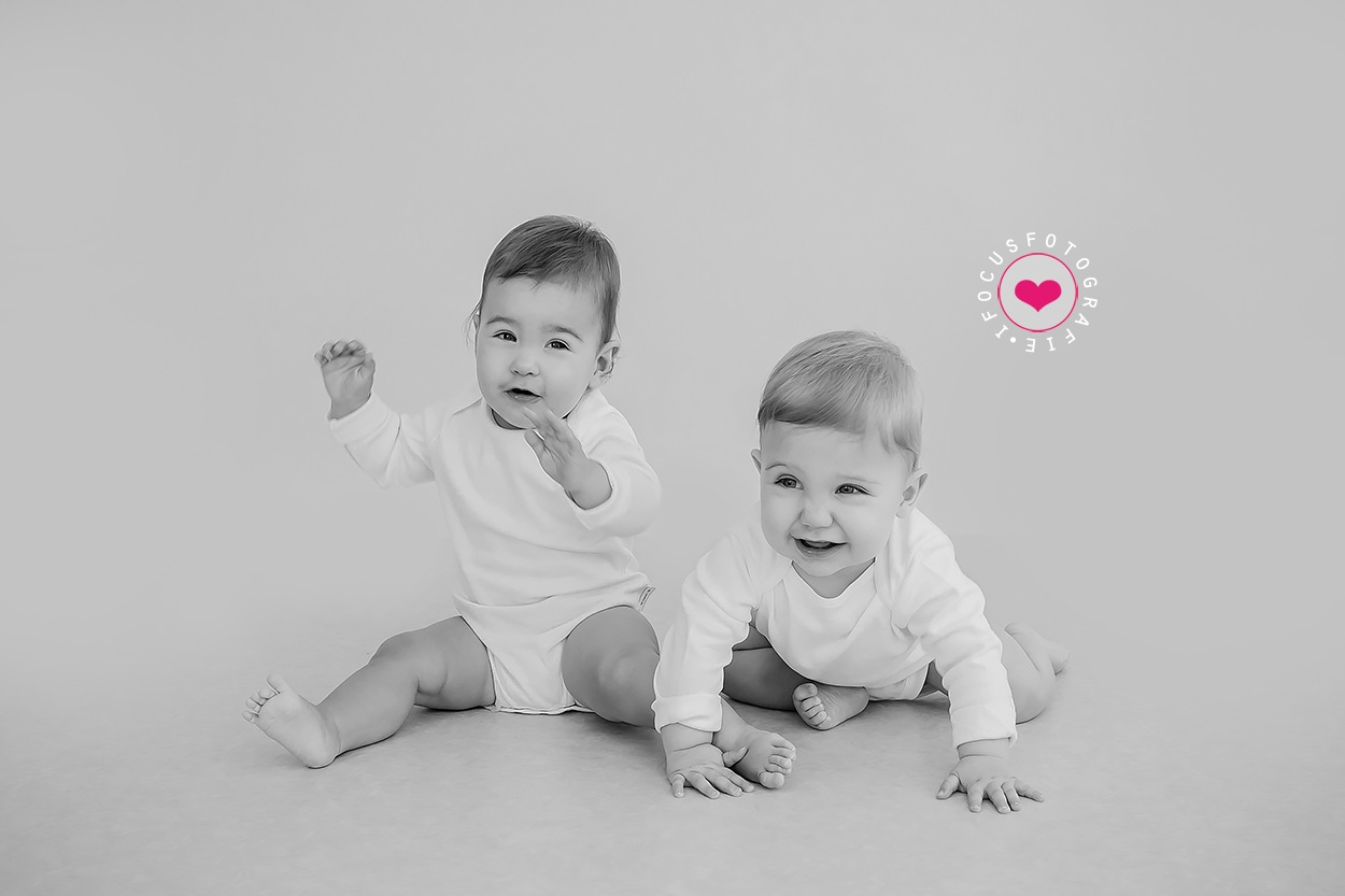 Baby twins by Studio Nicky Jacobs