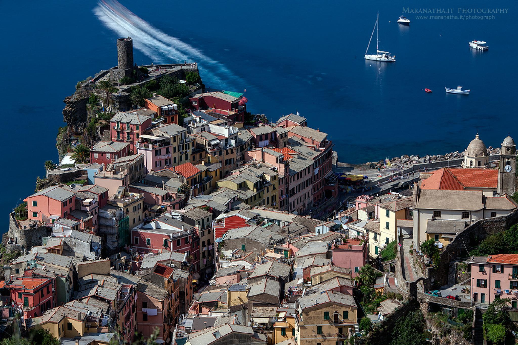 Vernazza, Cinque Terre, Italy by Maranatha.it Photography