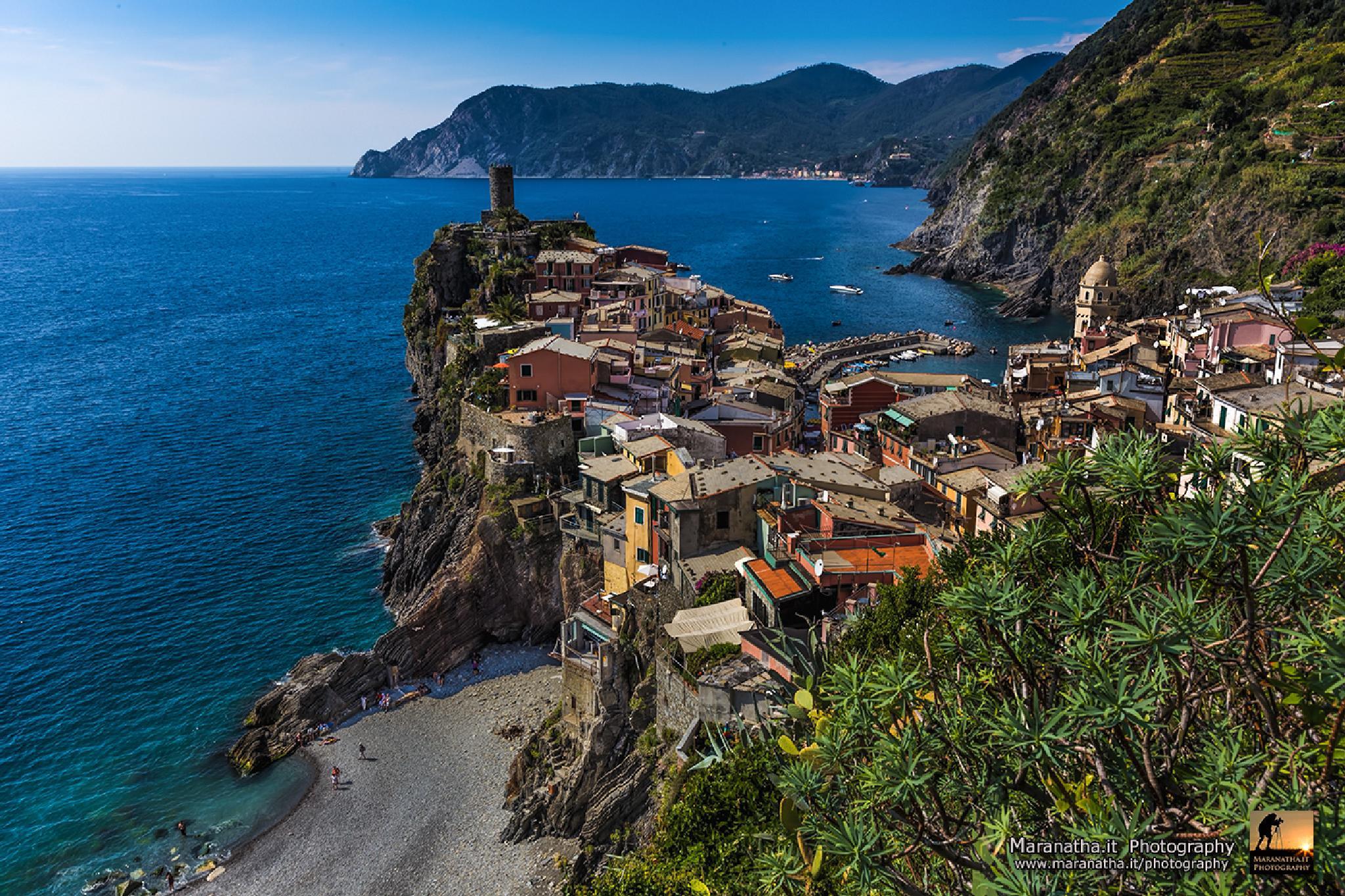 Vernazza, Liguria, Italy by Maranatha.it Photography