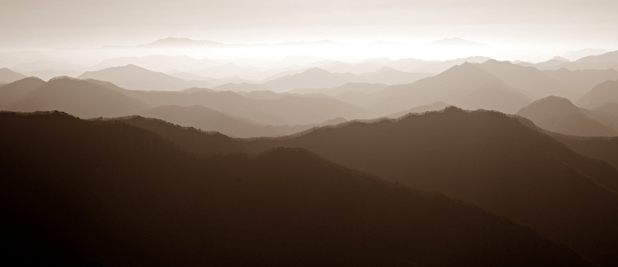 mountain layer by Bae Myung-Gyu