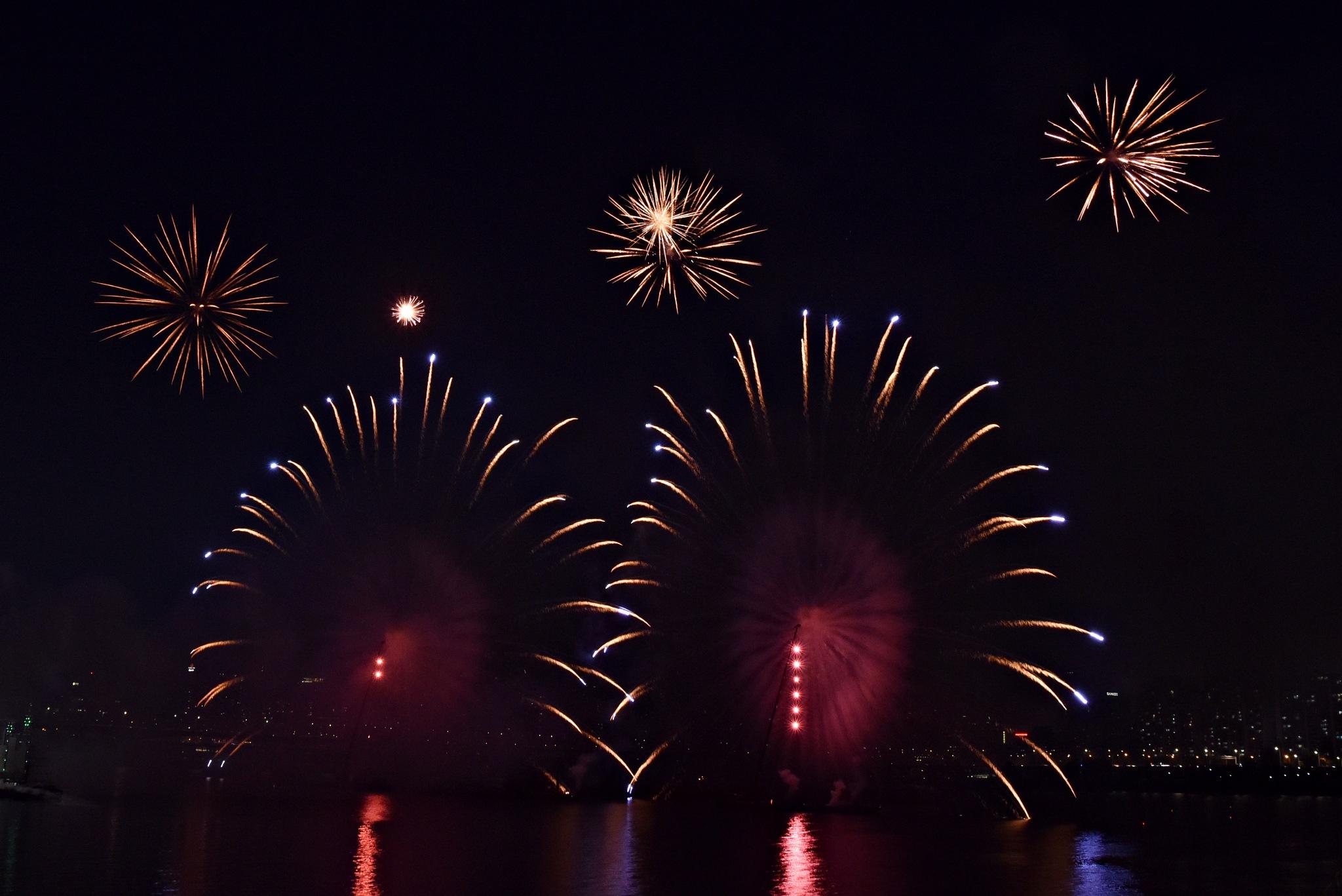 fireworks by Bae Myung-Gyu