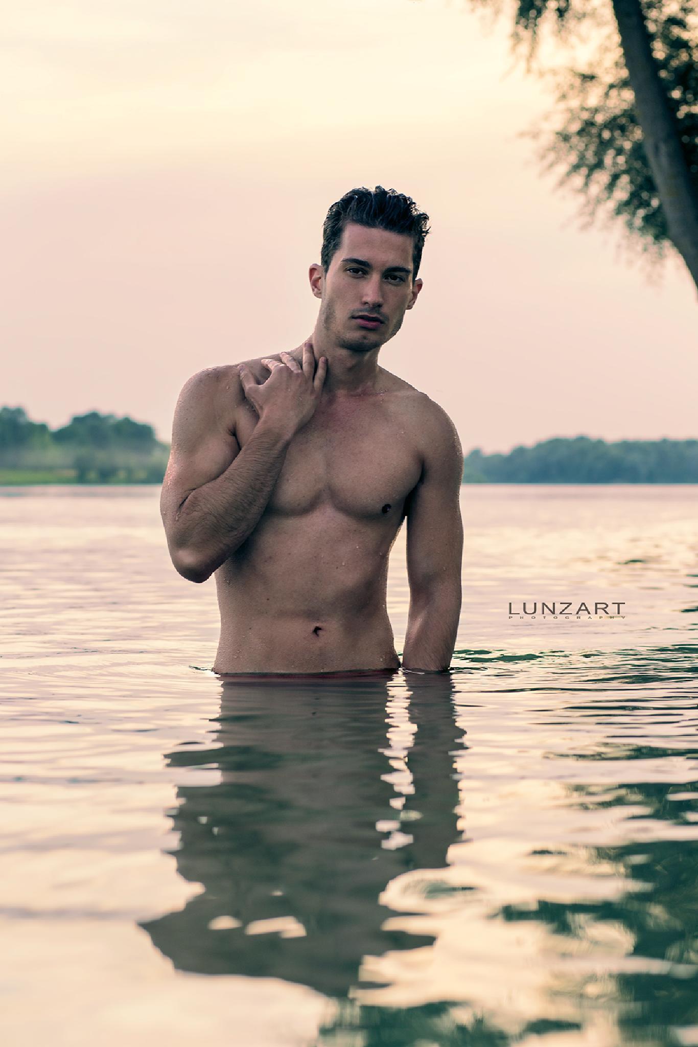Hannes by LUNZART