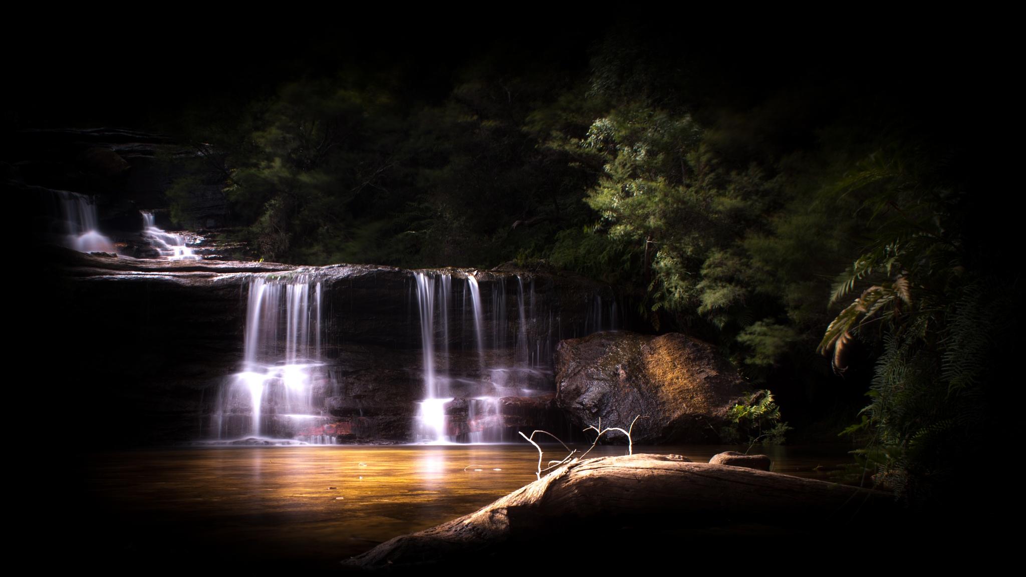 Wentworth Falls by Trevor Curtis