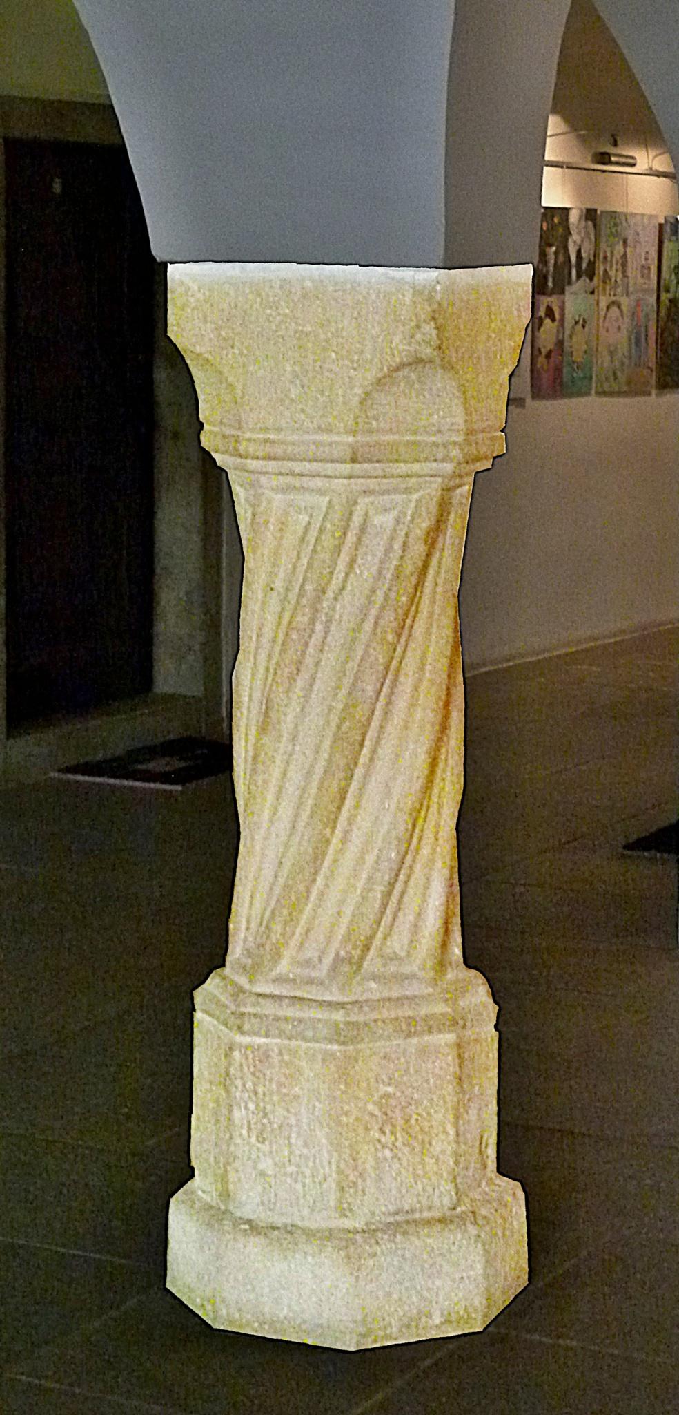 Romanesque column by Michal Vrtílek