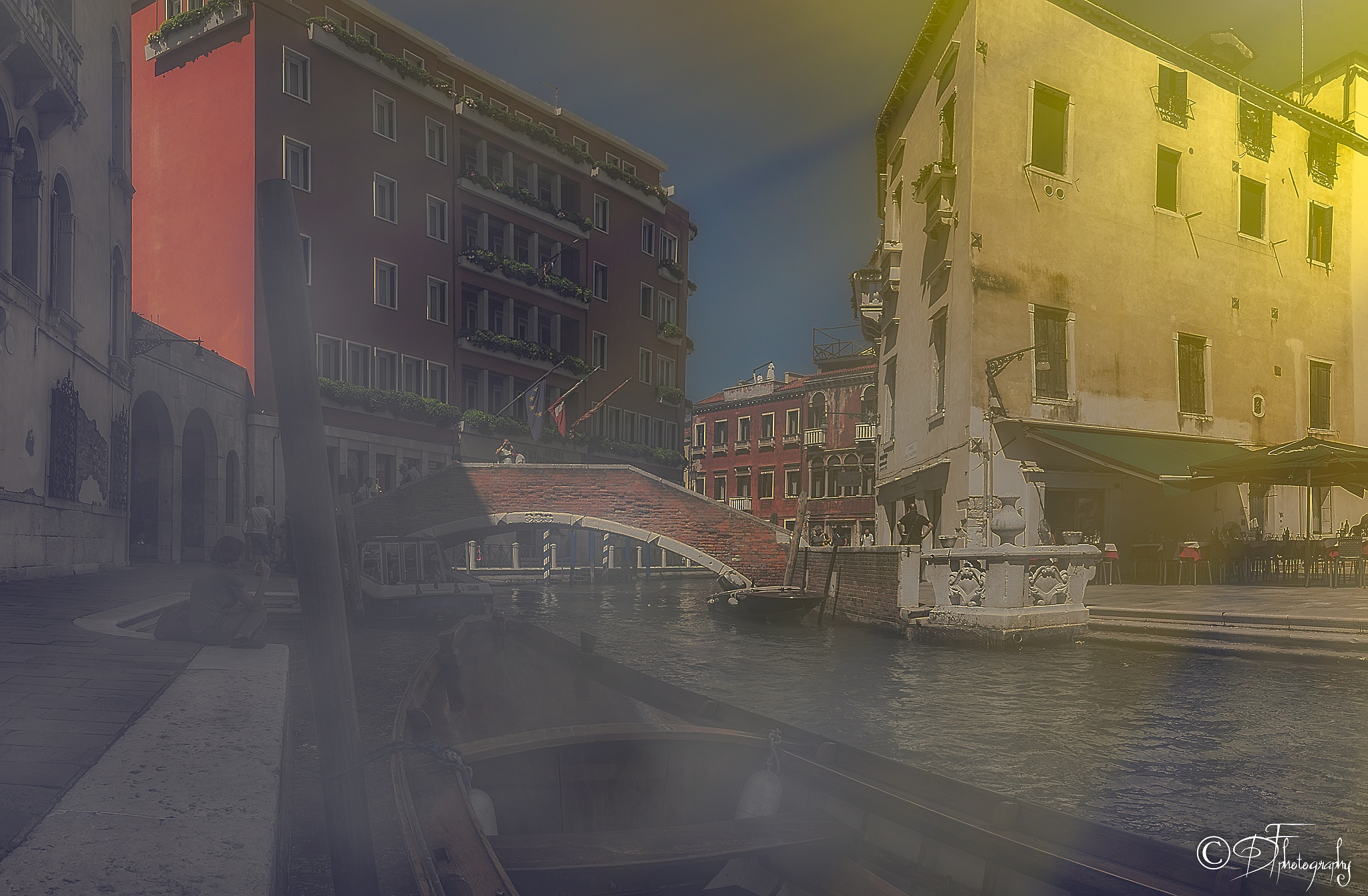 Venice canal by DANIEL F