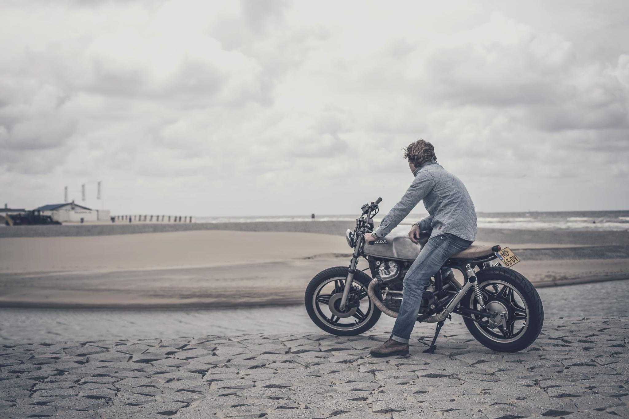 Caferacer by Bas Duijs