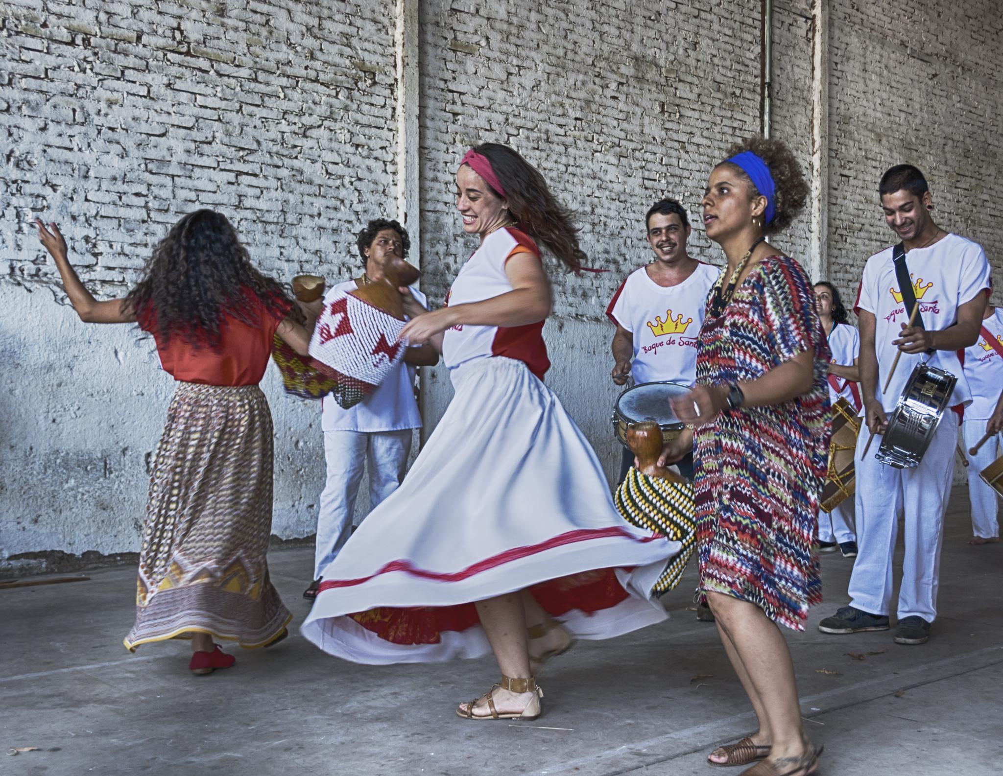 Dança/Dance/Danza by Jose Liborio