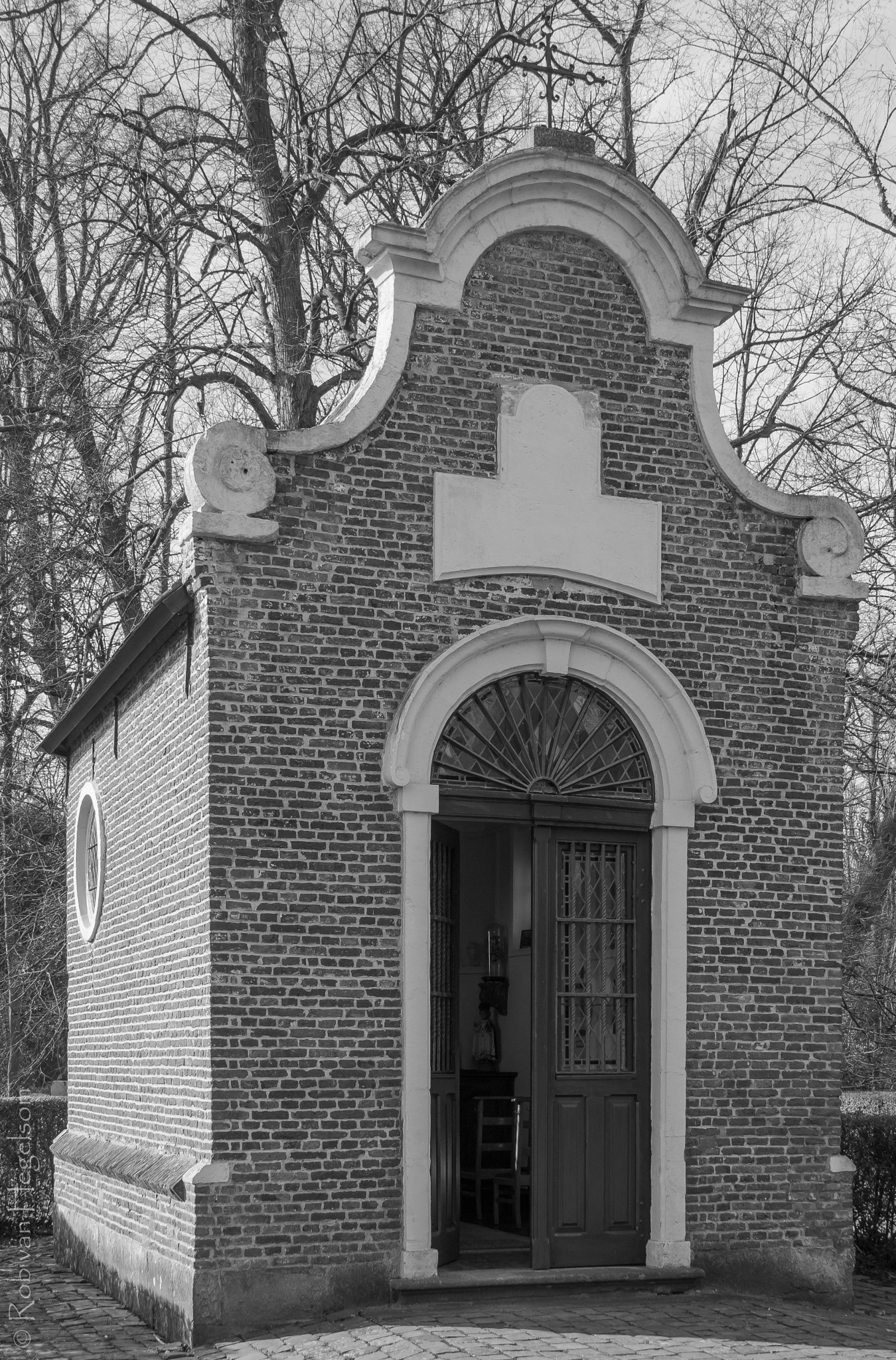 Chapel Poelendries by rvanhegelsom