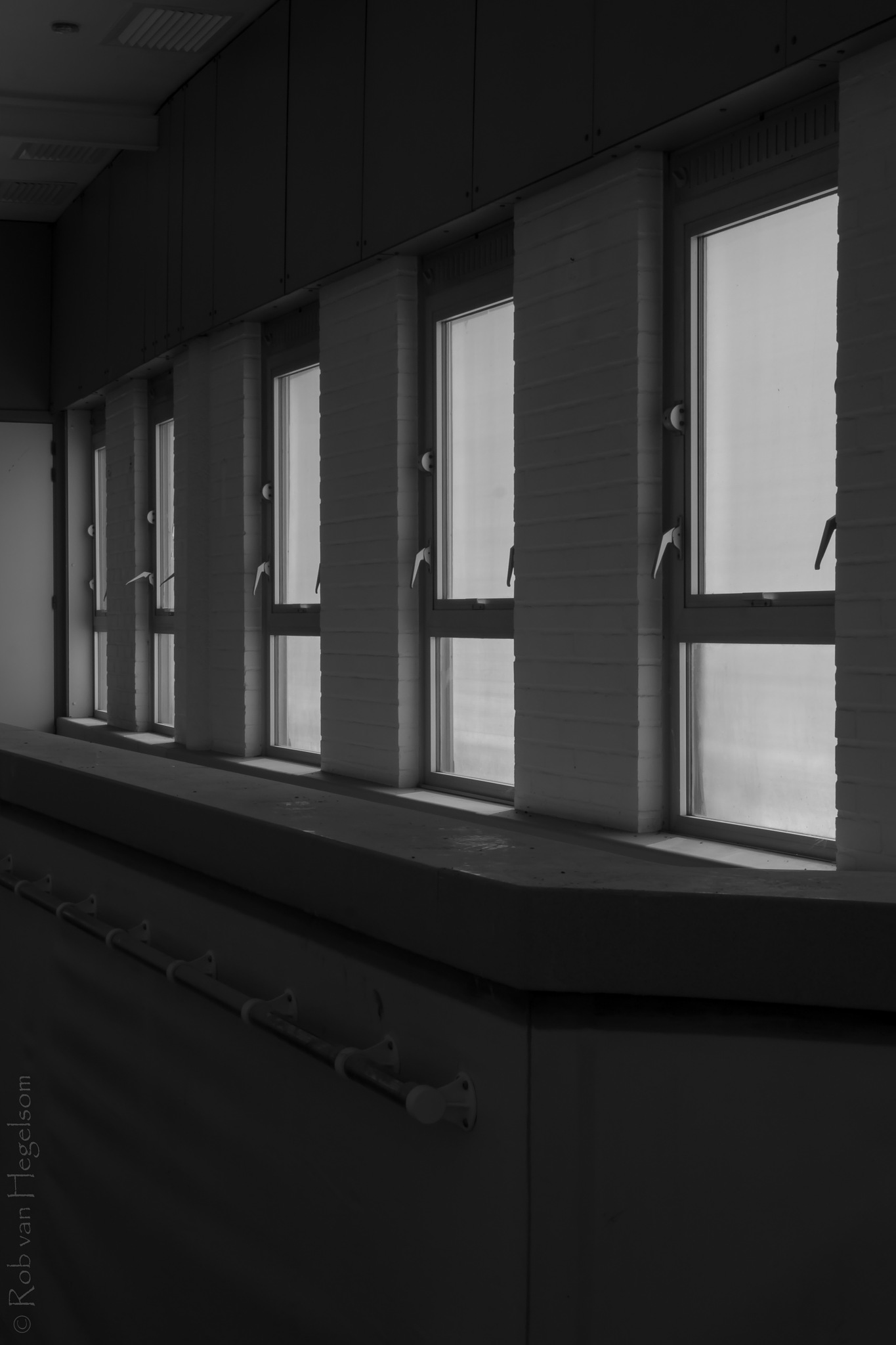 5 Windows by rvanhegelsom