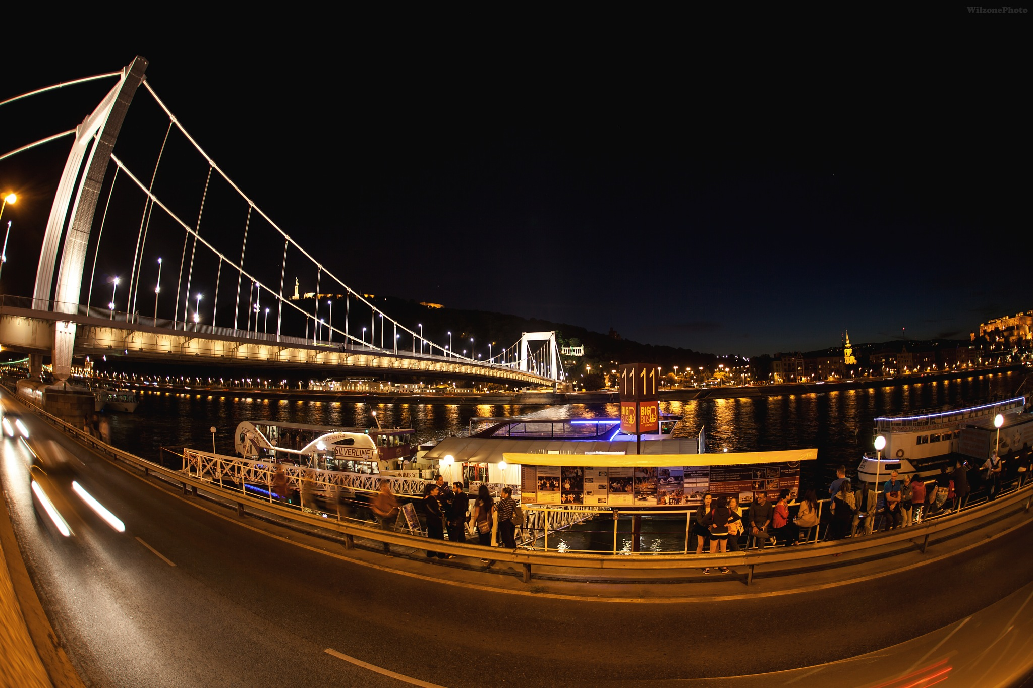 Photo in Street Photography #wilzonephoto #budapest #hongrie #hungary #street #night #bridge #pont