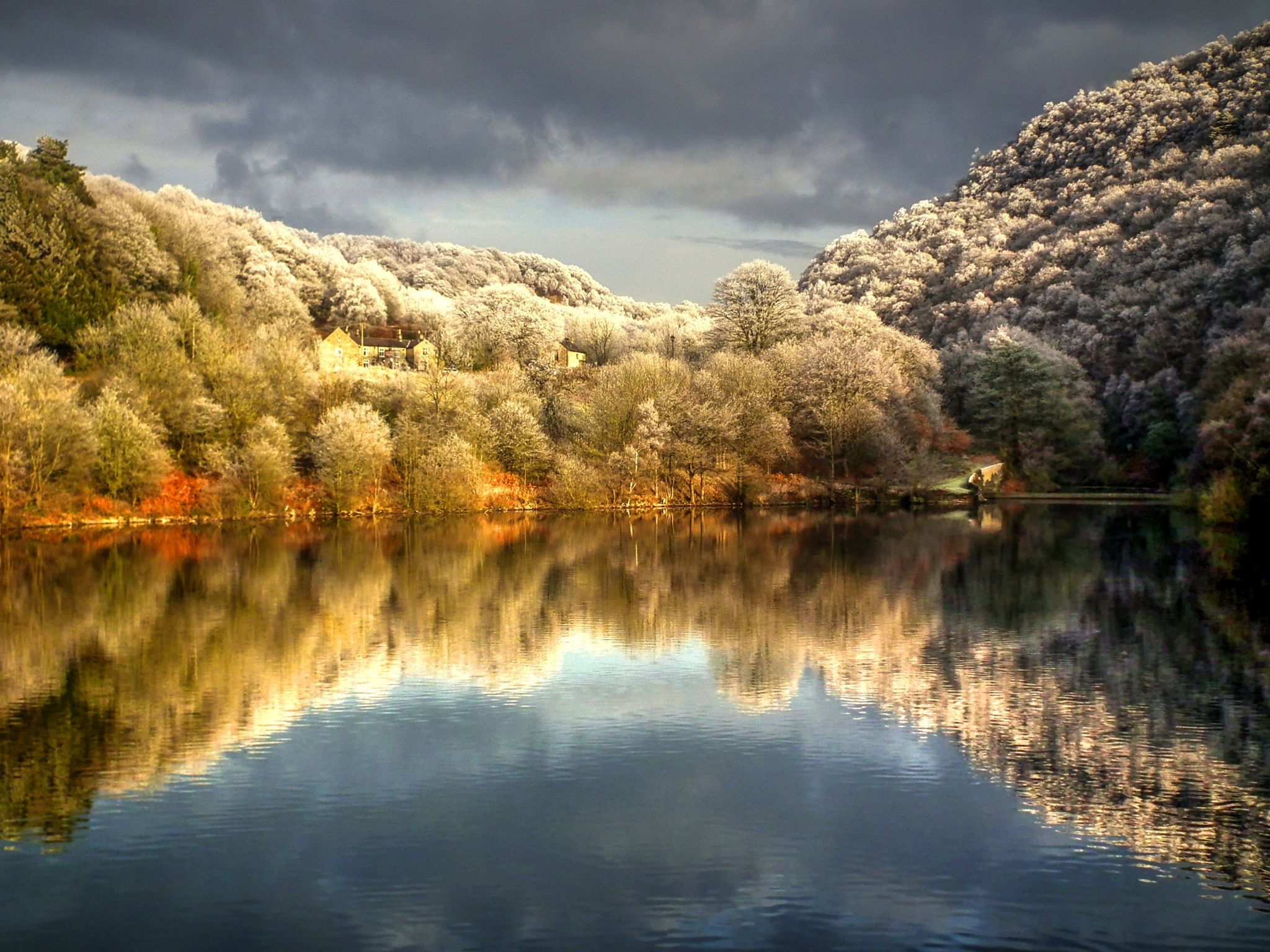 Winter Reflections by ianmoorcroft