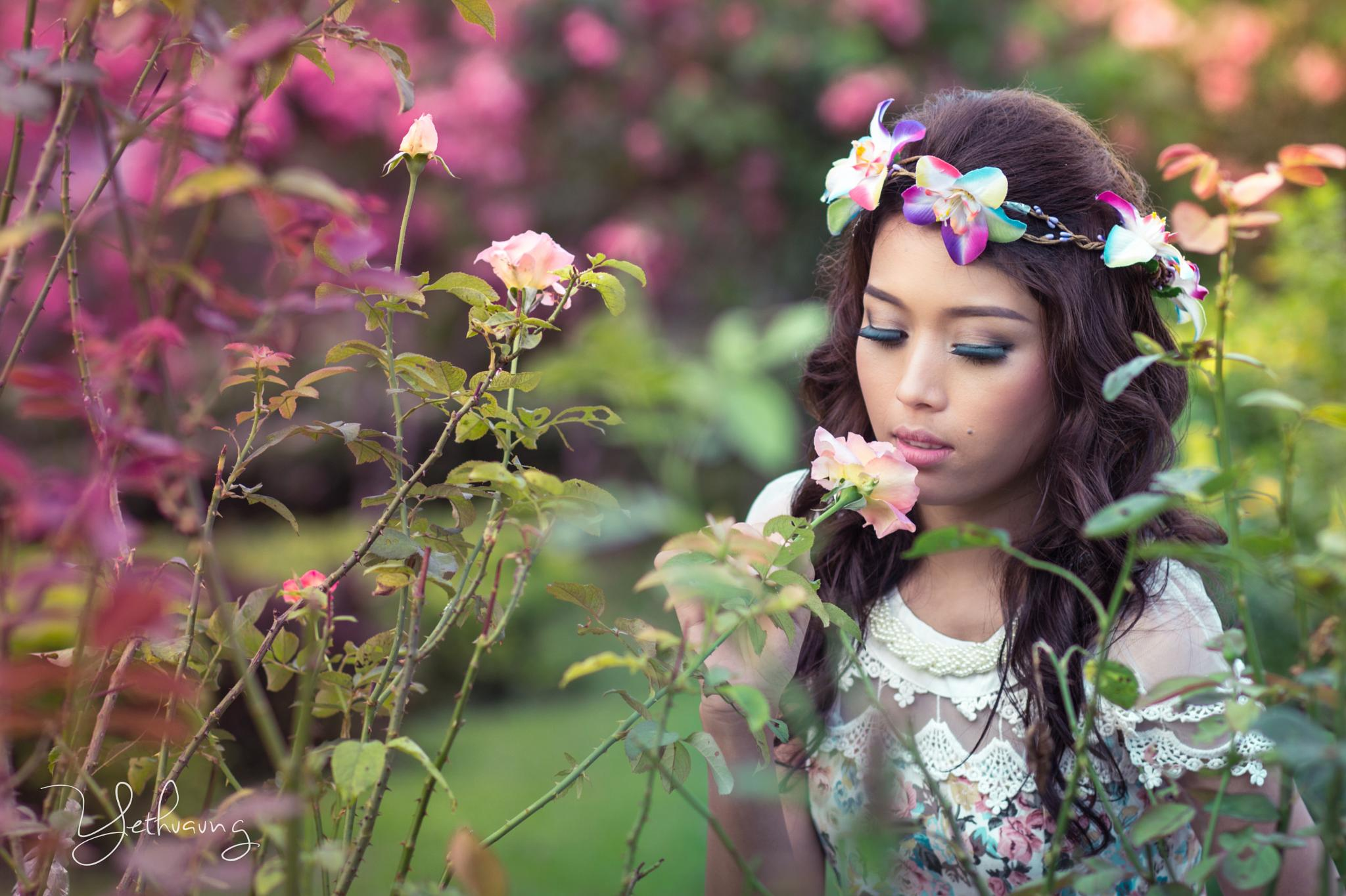 Photo in Portrait #portarit #ytaphography #roses #garden #flowercrown