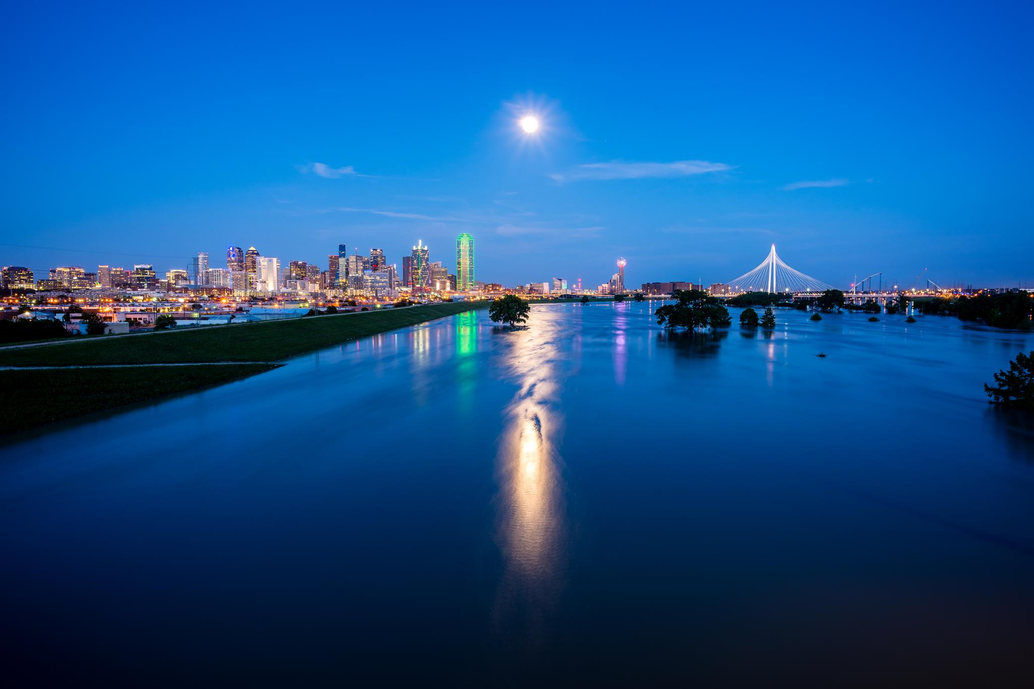 Photo in Cityscape #trinity river #building #dallas #downtown #flood #moon #night #reflection #river #twilight #nightscape
