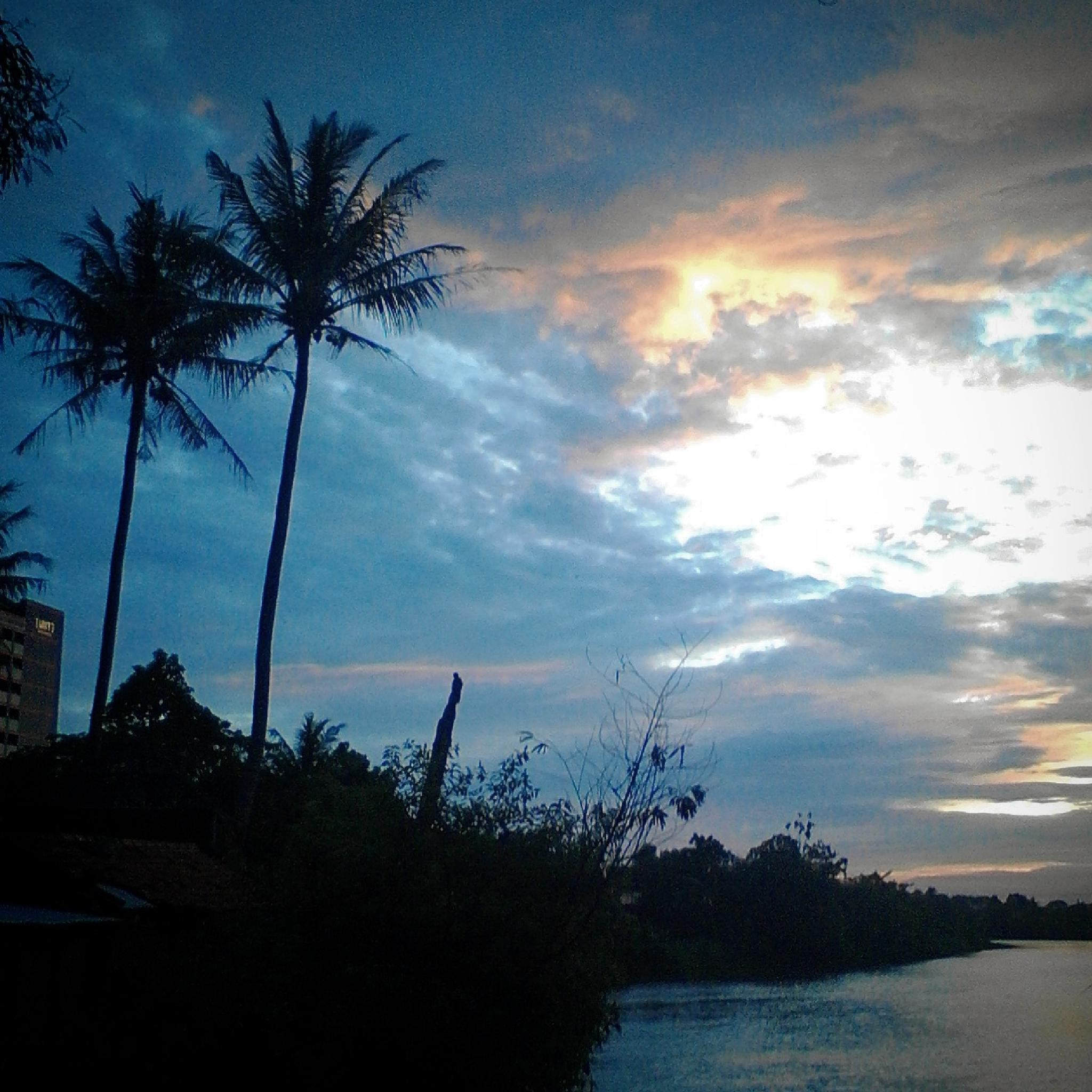 Beautiful Sunset by harryrachmanjasmine