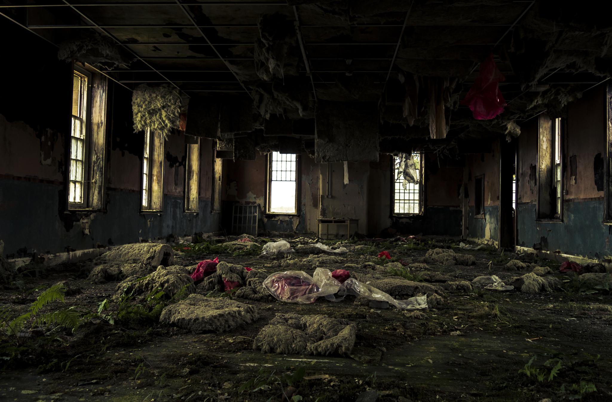 Derelict Welsh asylum by Matt Travill