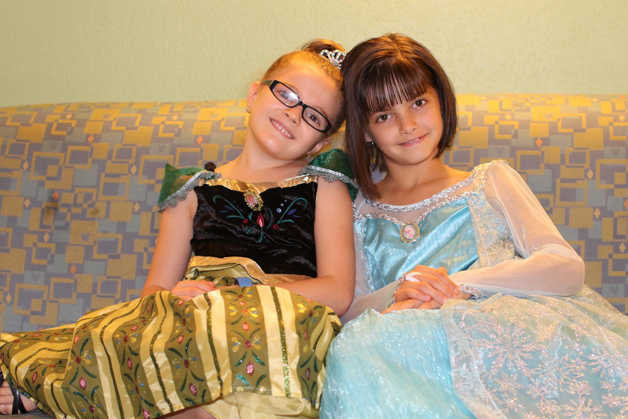 Princess Anna and Elsa by Melinda Braccia