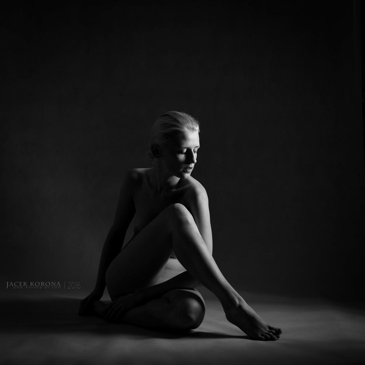 Photo in Nude #canon 50/1.8 stm #2015 #6d #art #canon #cracow #fotografia #jacek #korona #koronapl #kraków #model #photography #poland #polska #© #beautiful #black #bw #lovely #monochrome #portrait #pretty #sensual #sublime #white #woman