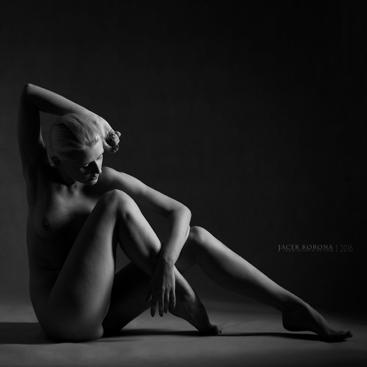 Sara by Jacek Korona