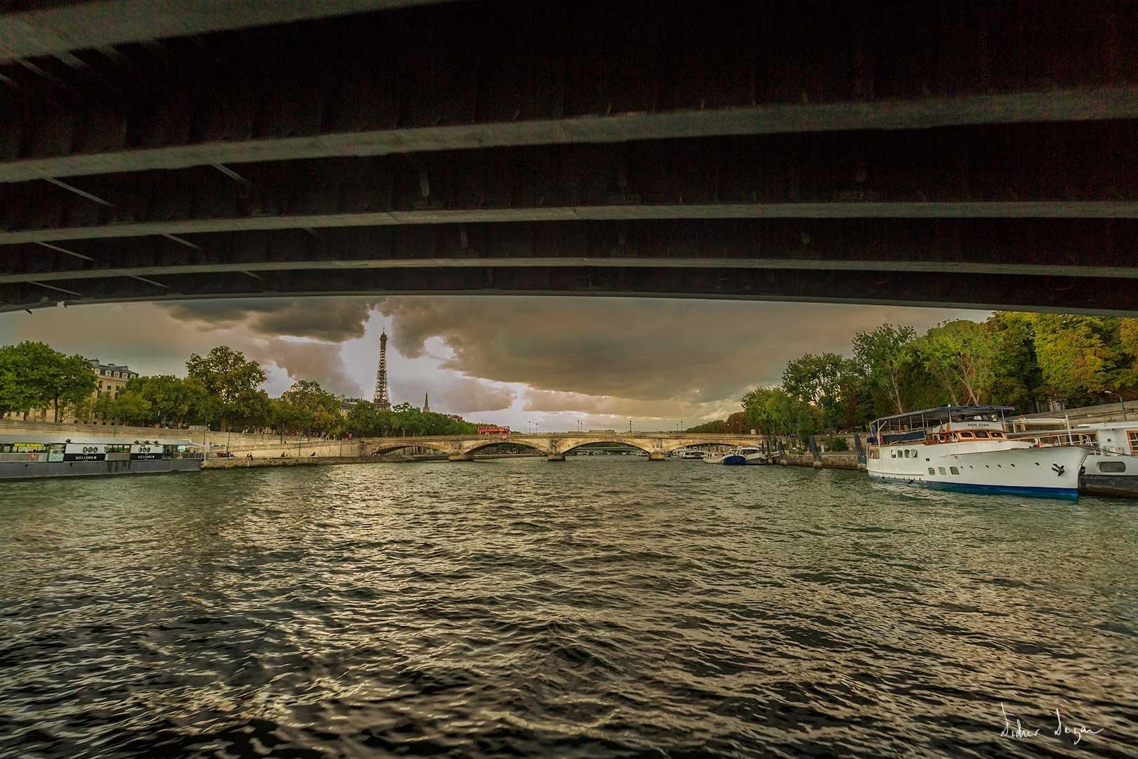 Sous les ponts de Paris .... by DidierDEZAN