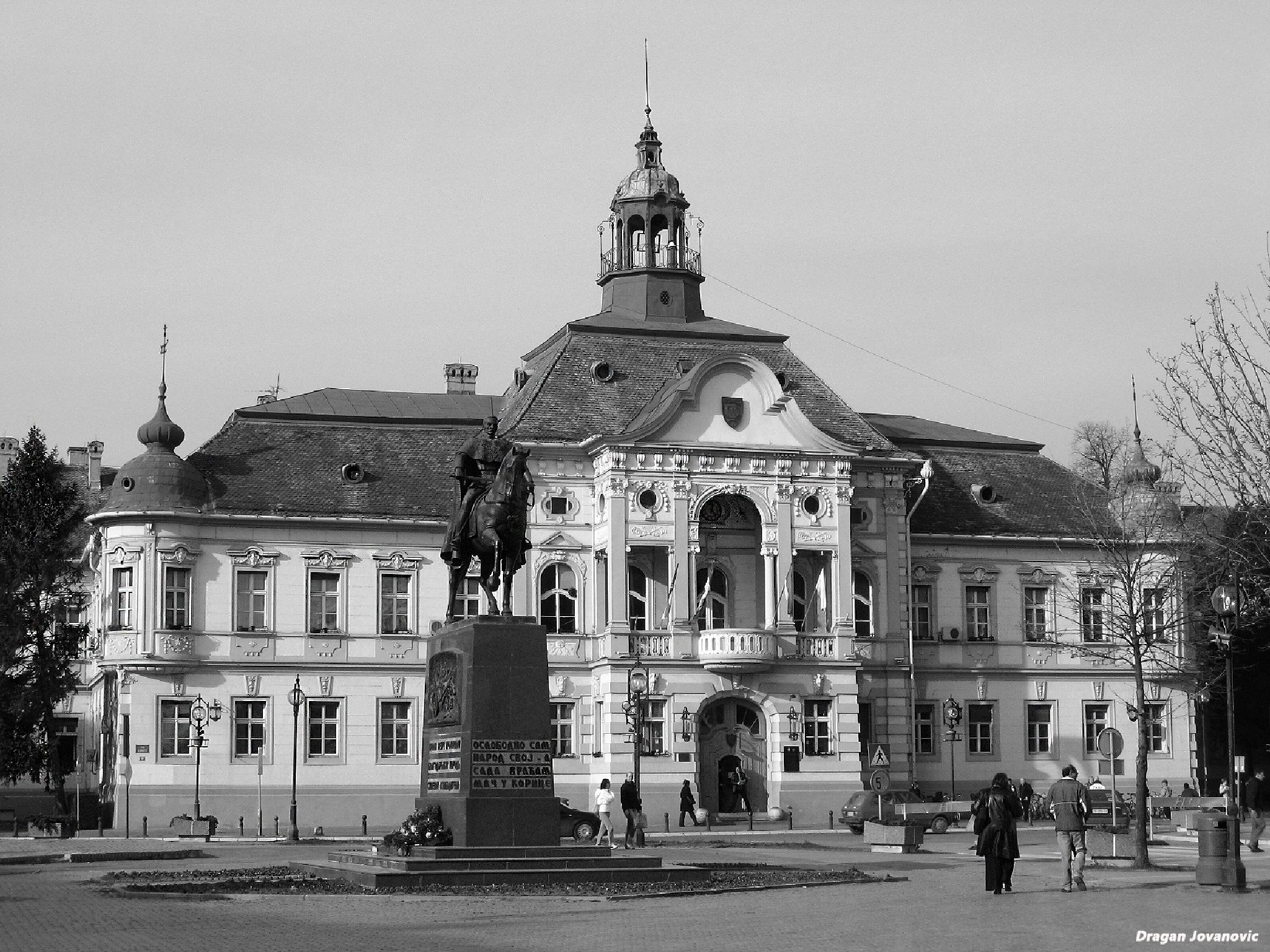 Monument of Serbian king Peter II and City house by espanol1950