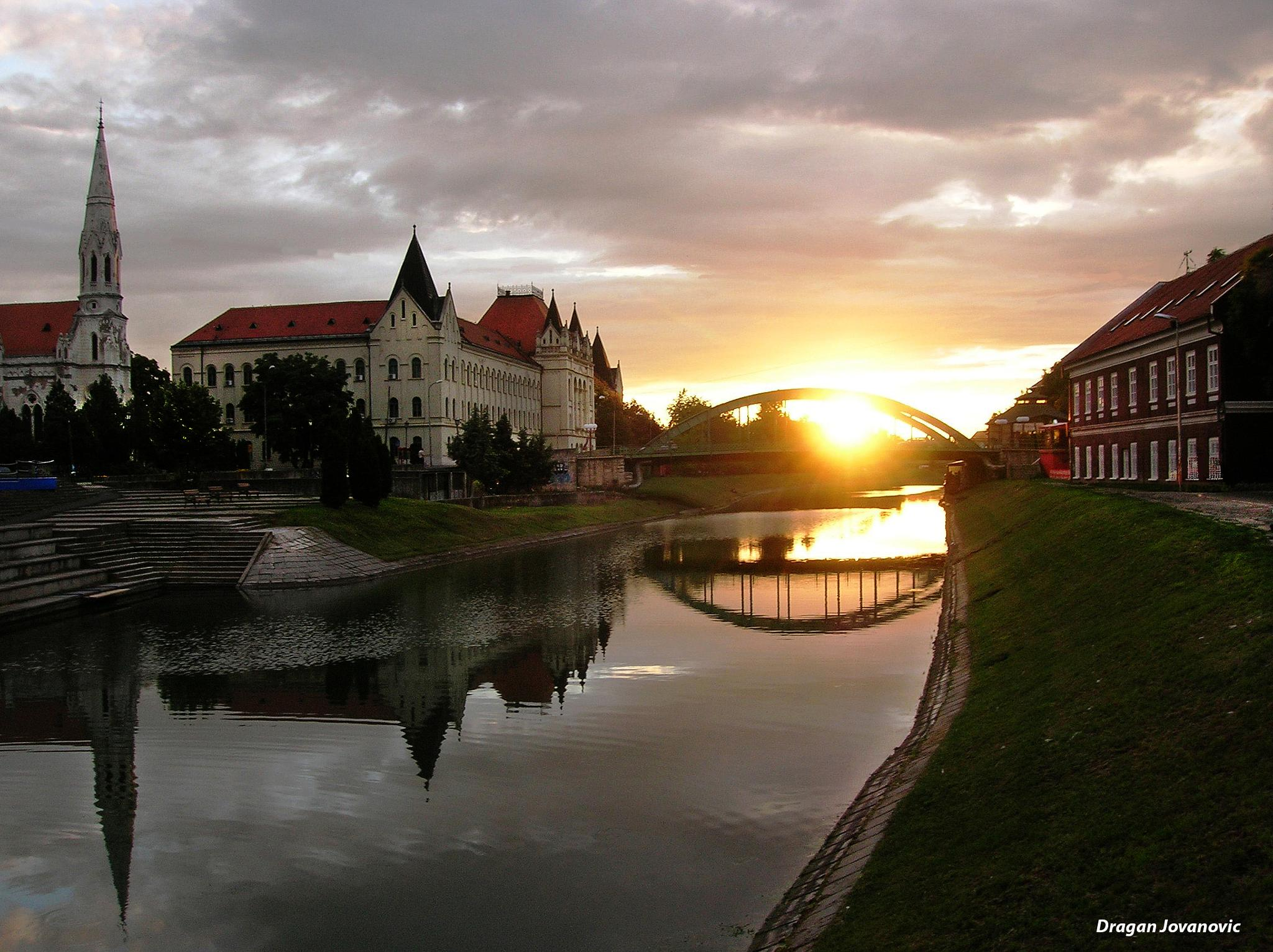 Sunset from the small bridge by espanol1950