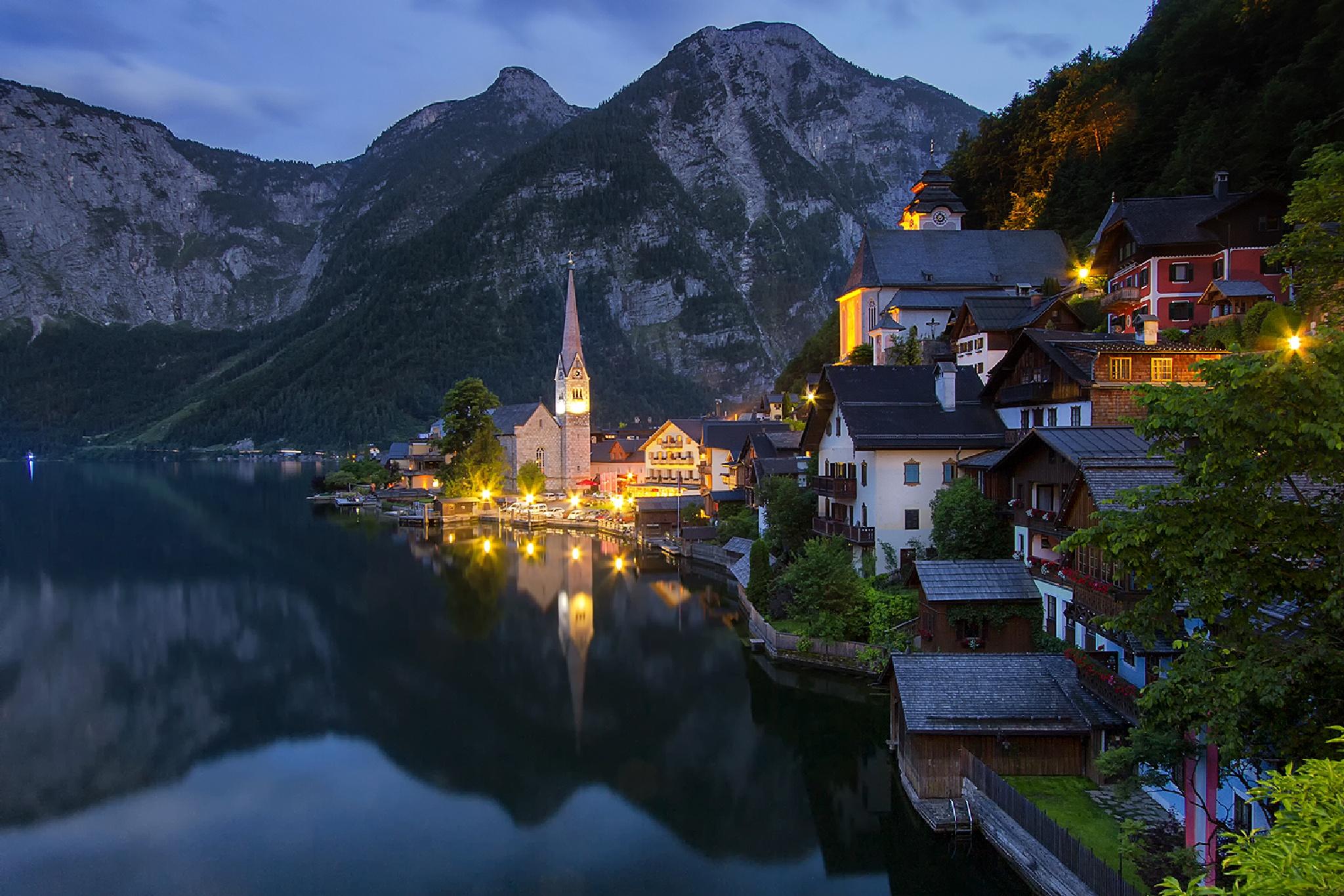 Hallstet Austria by PawelPendzialek