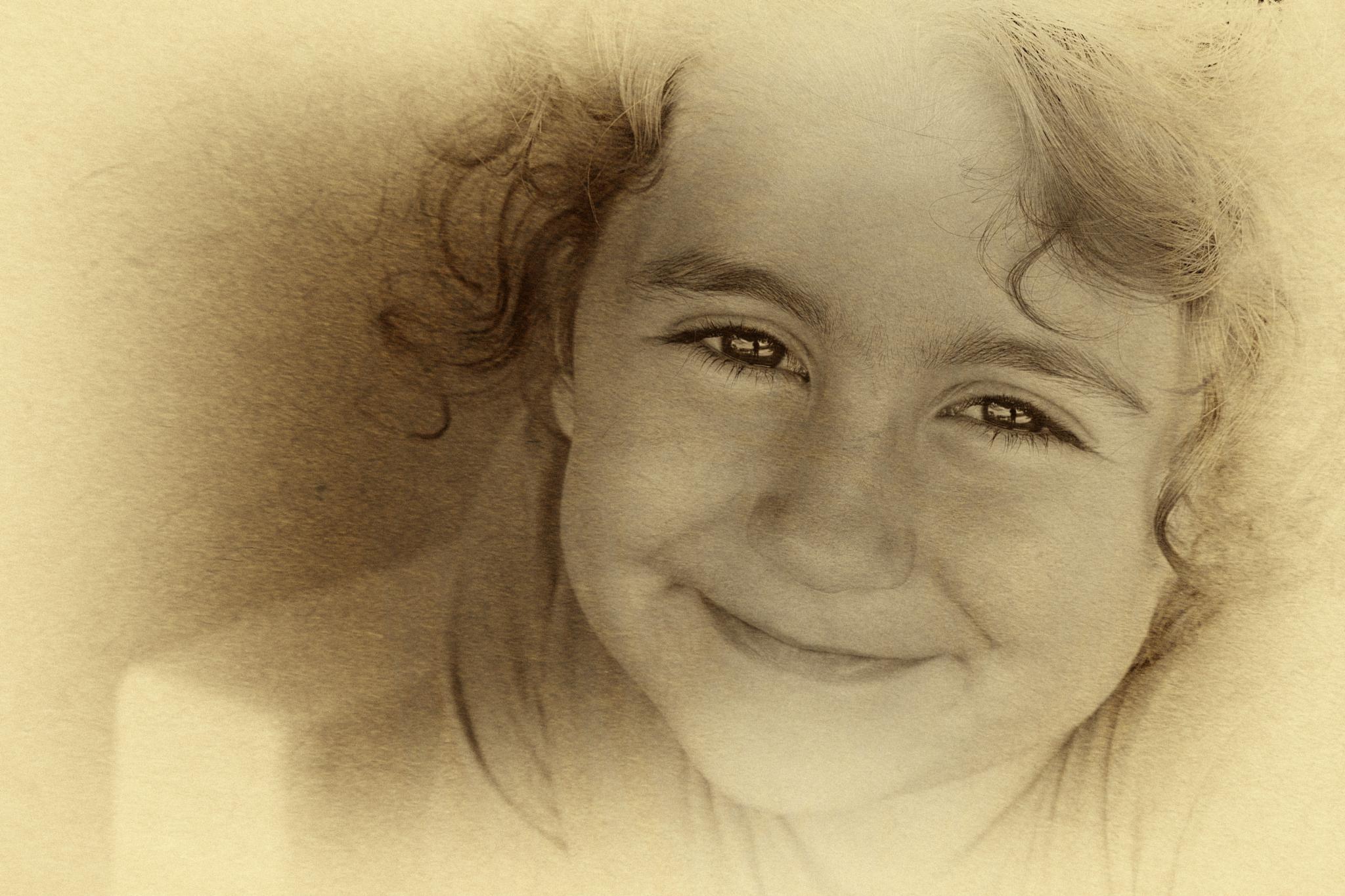 Smiling by ElcinYoldascan