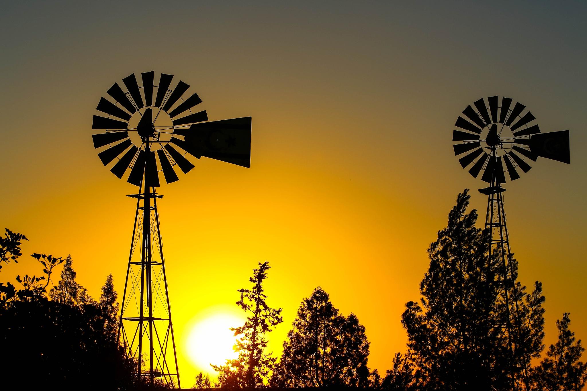 Double Windmill by hbilgen