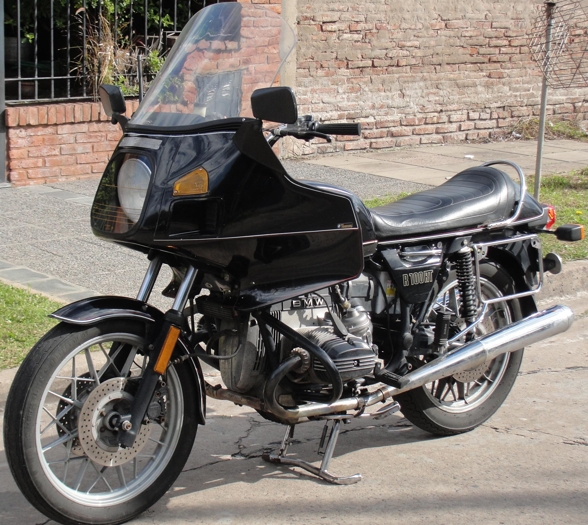 Moto BMW R 100 RT 1981 by arcar.org