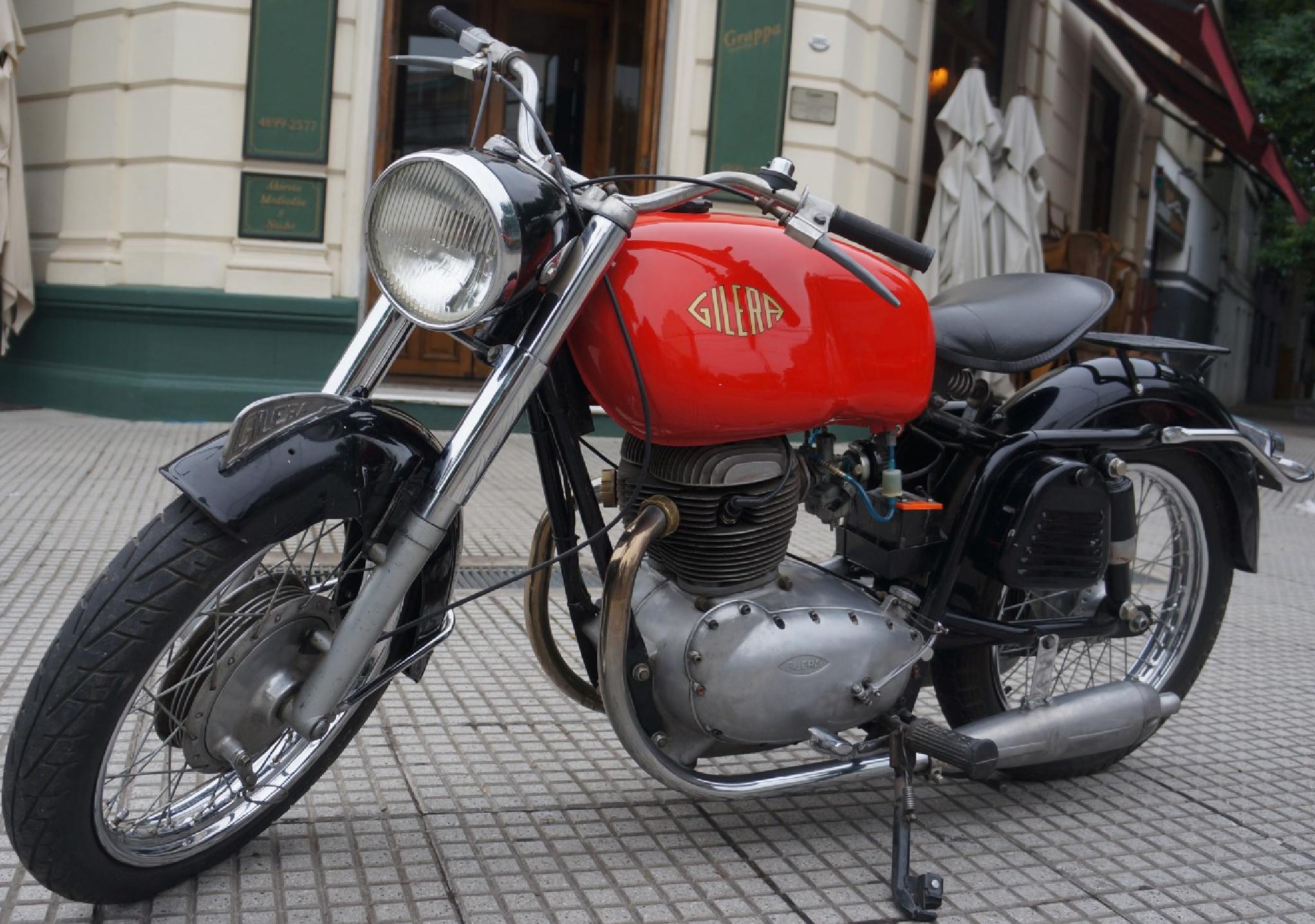 Moto Gilera B 300 by arcar.org
