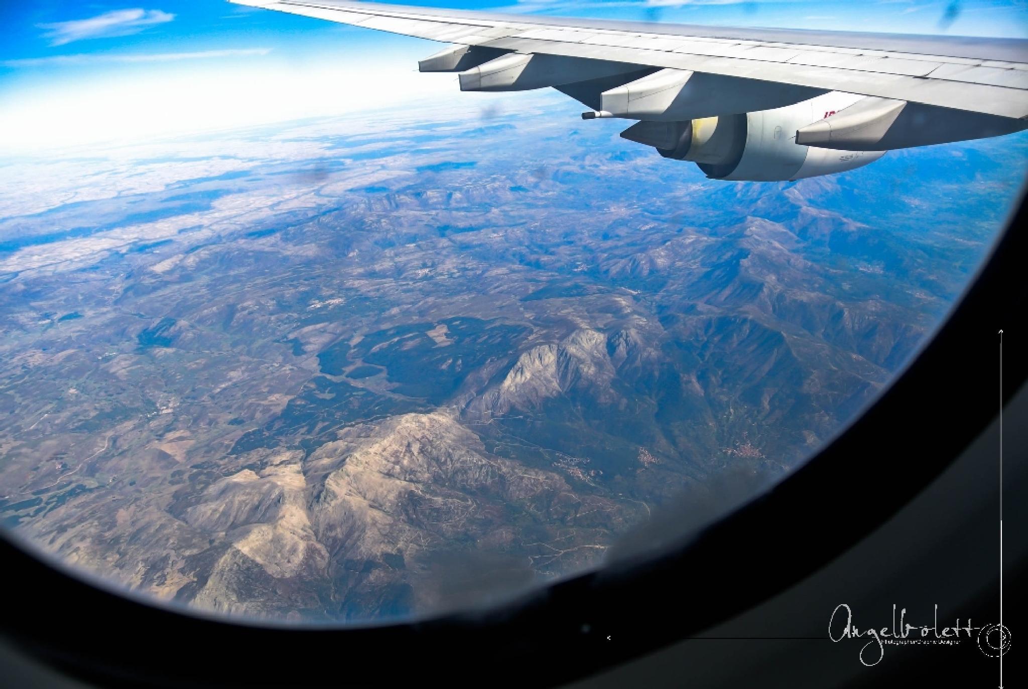 Arriving in... Spain by Angel Bolet