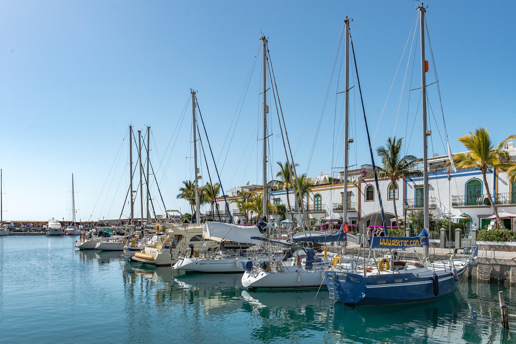 Puerto De Morgan - Gran Canaria by Hyen