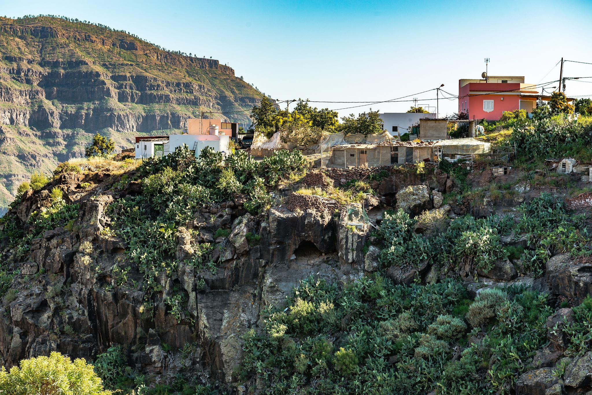 Village on the Edge - Gran Canaria by Hyen