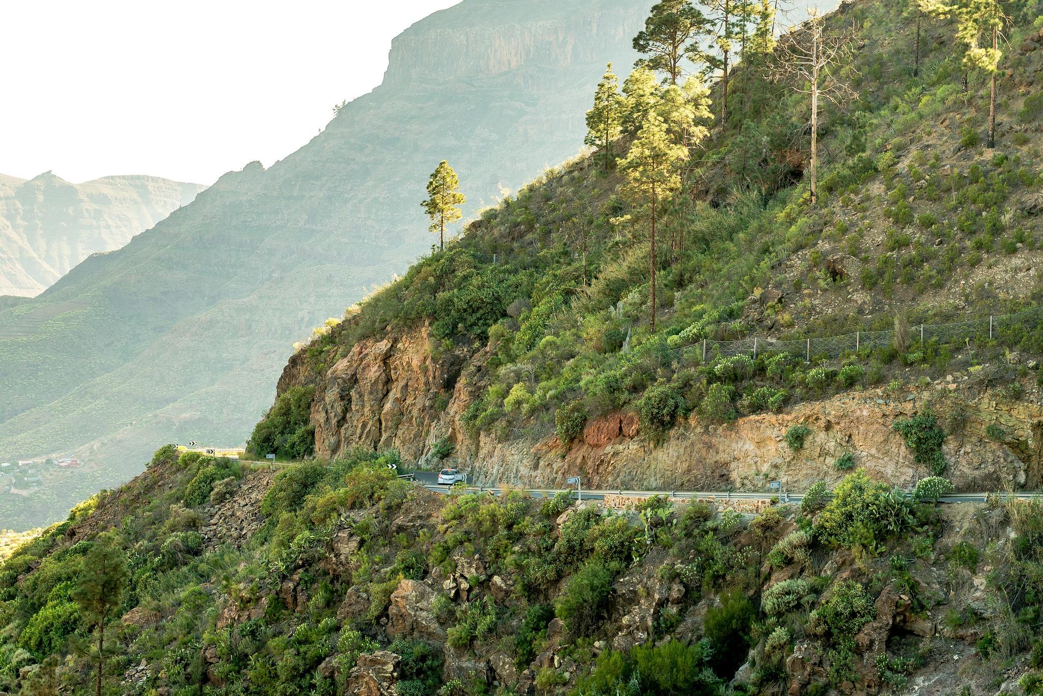 Roads of Gran Canaria by Hyen