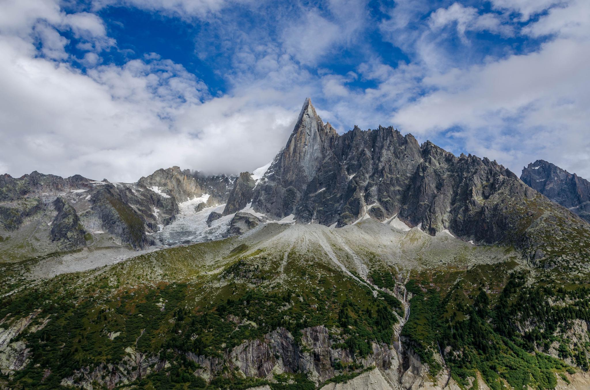 Les Alpes by AteliersClaudeBernard