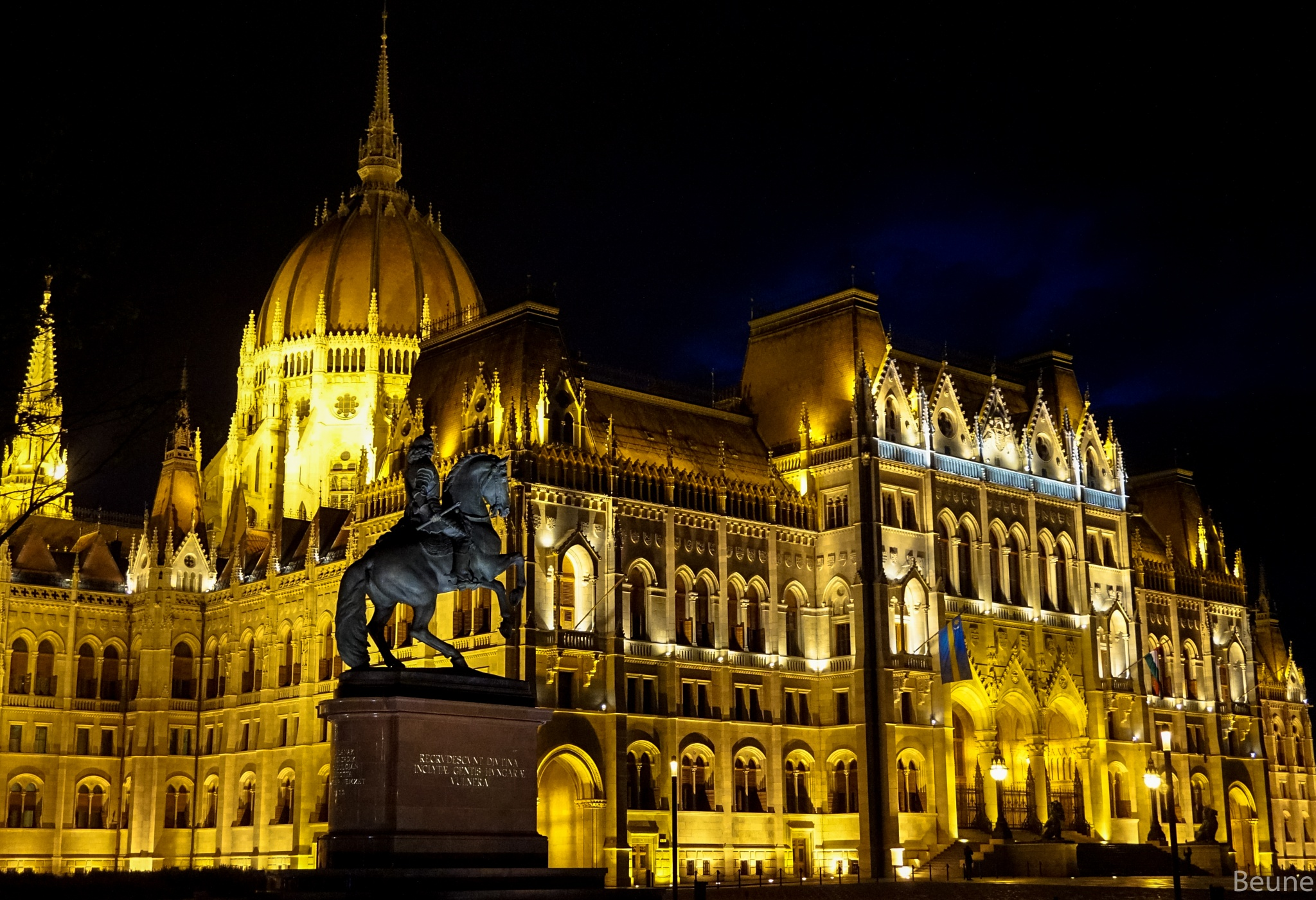 House of Parliament by beune