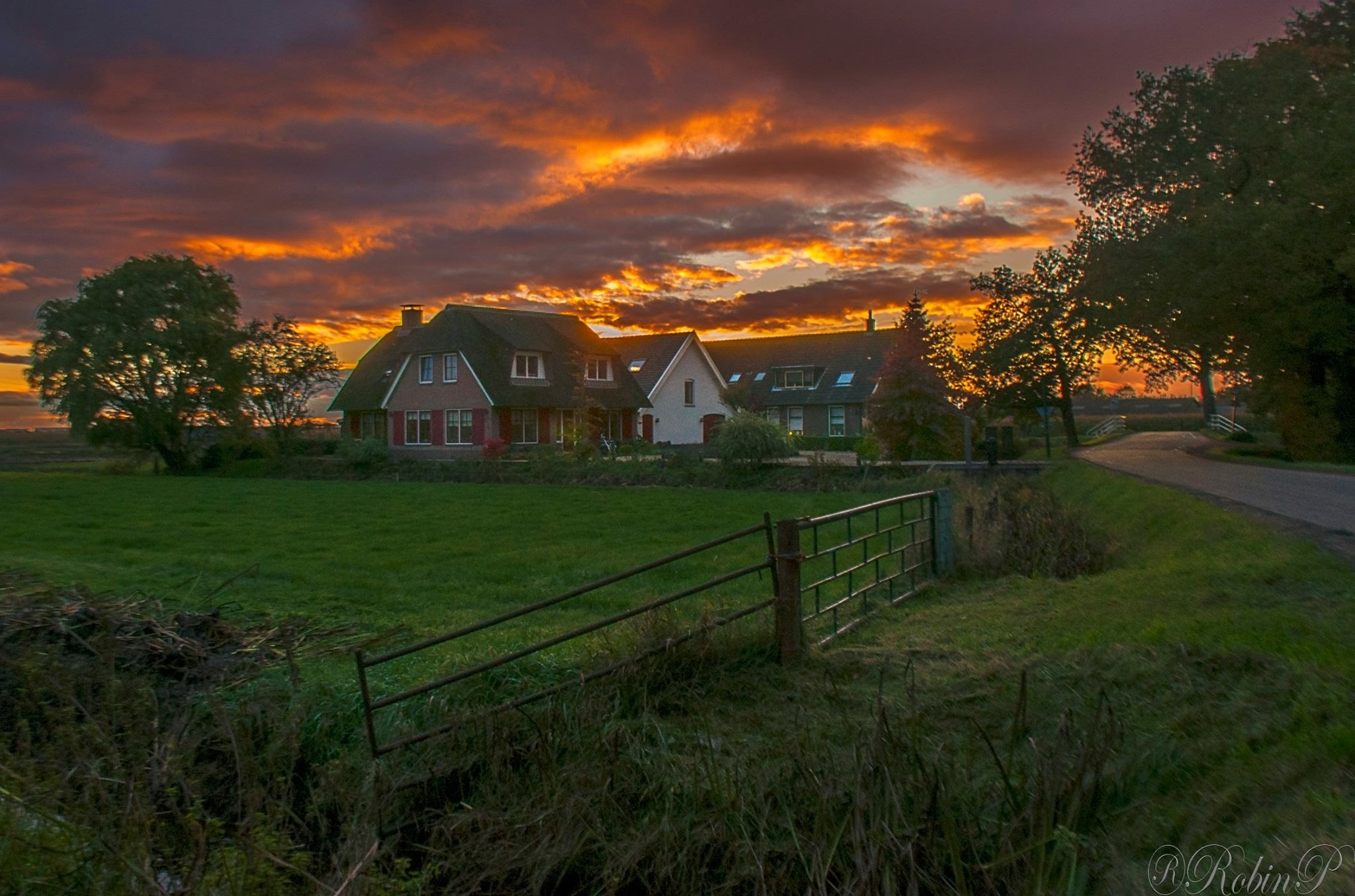 Epic sunset by Robin Pulles
