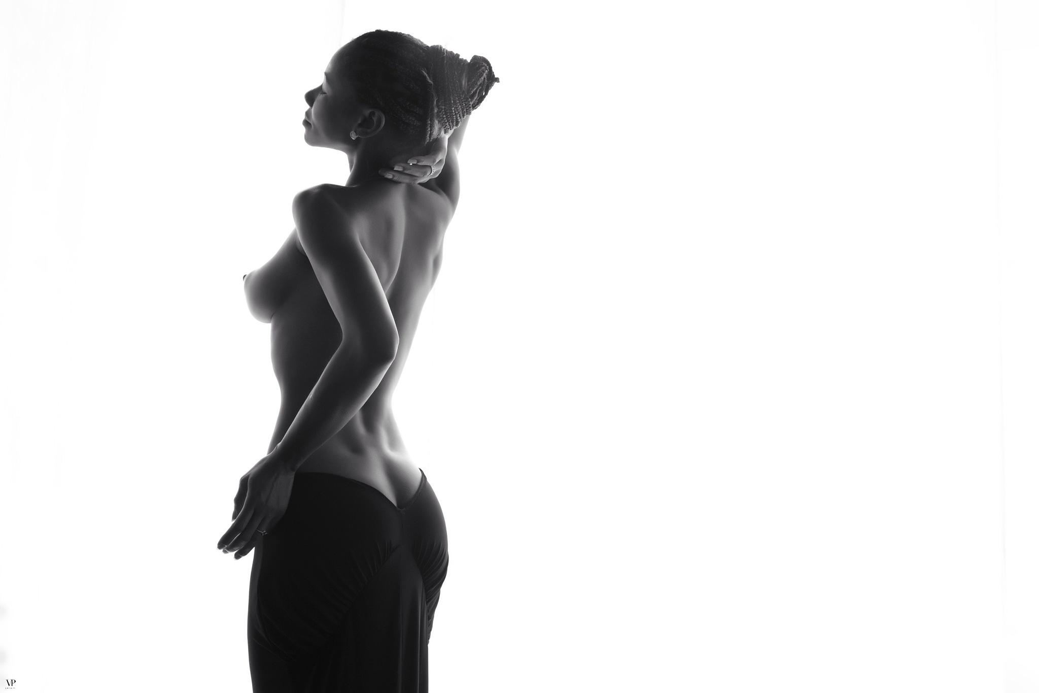 Simple back  by                         Vassilis Pitoulis     @vassilispitoulis