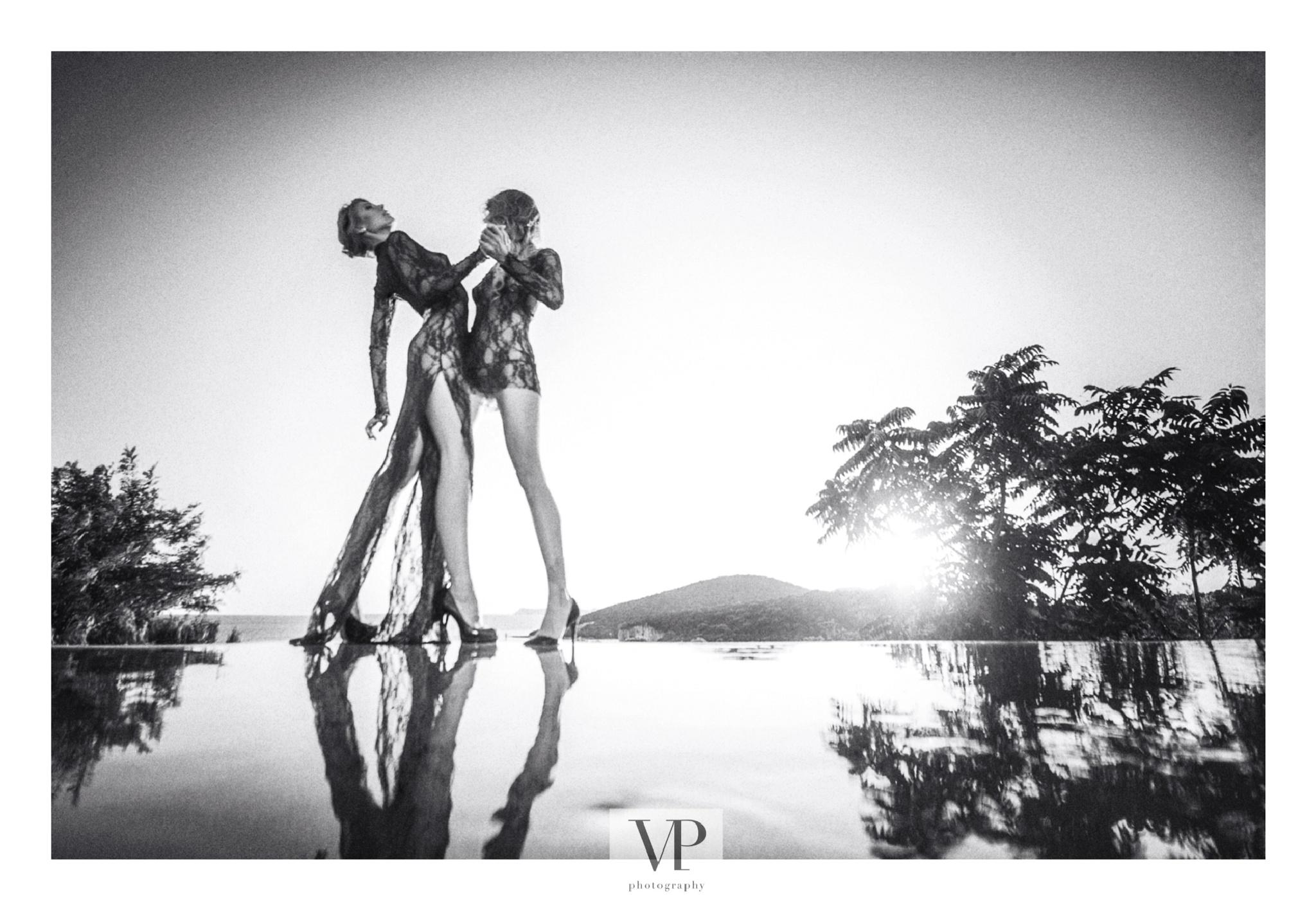 Afternoon tango by                         Vassilis Pitoulis     @vpitoulis