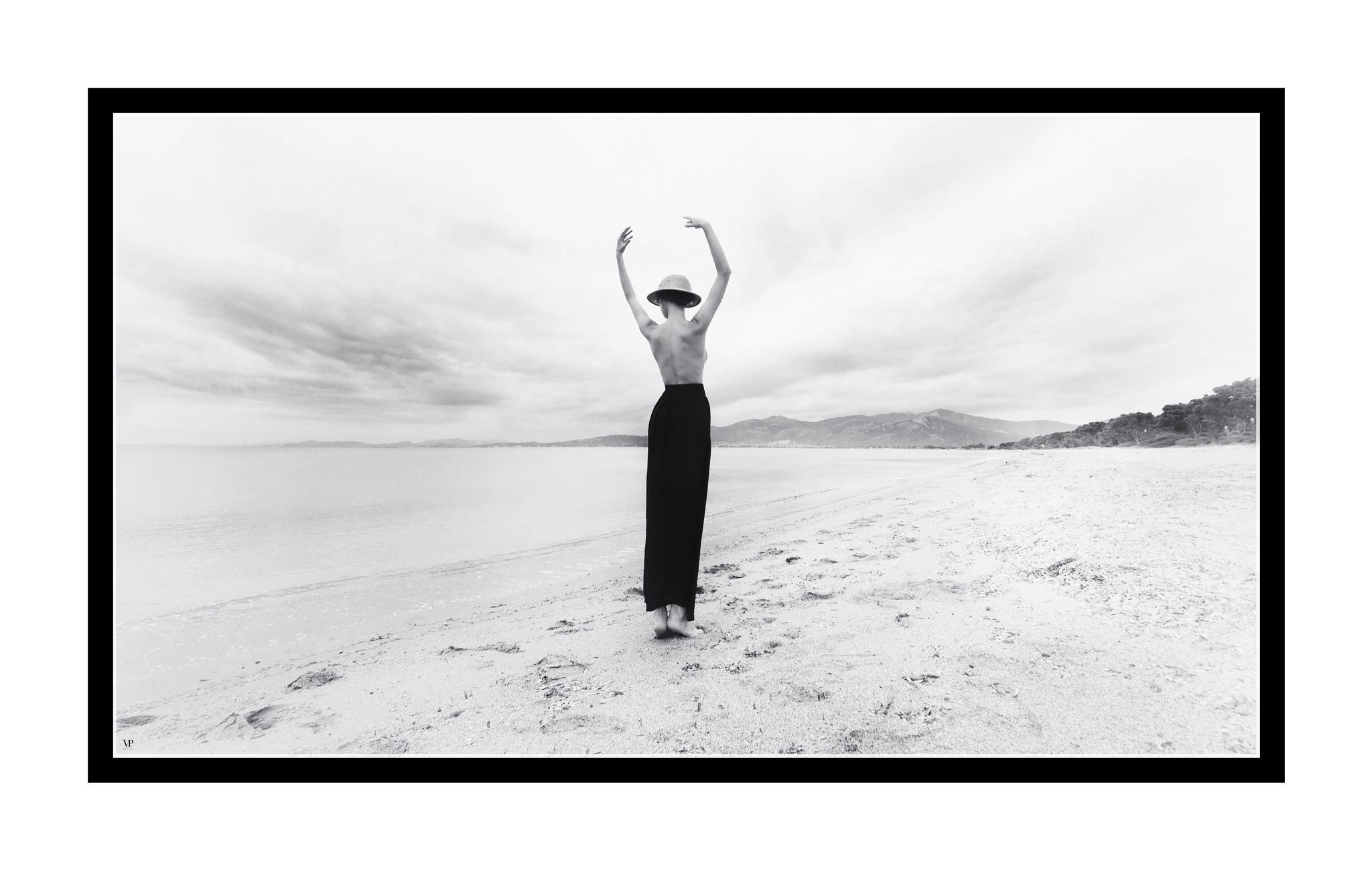 ce jour sur cette plage  by                         Vassilis Pitoulis     @vassilispitoulis