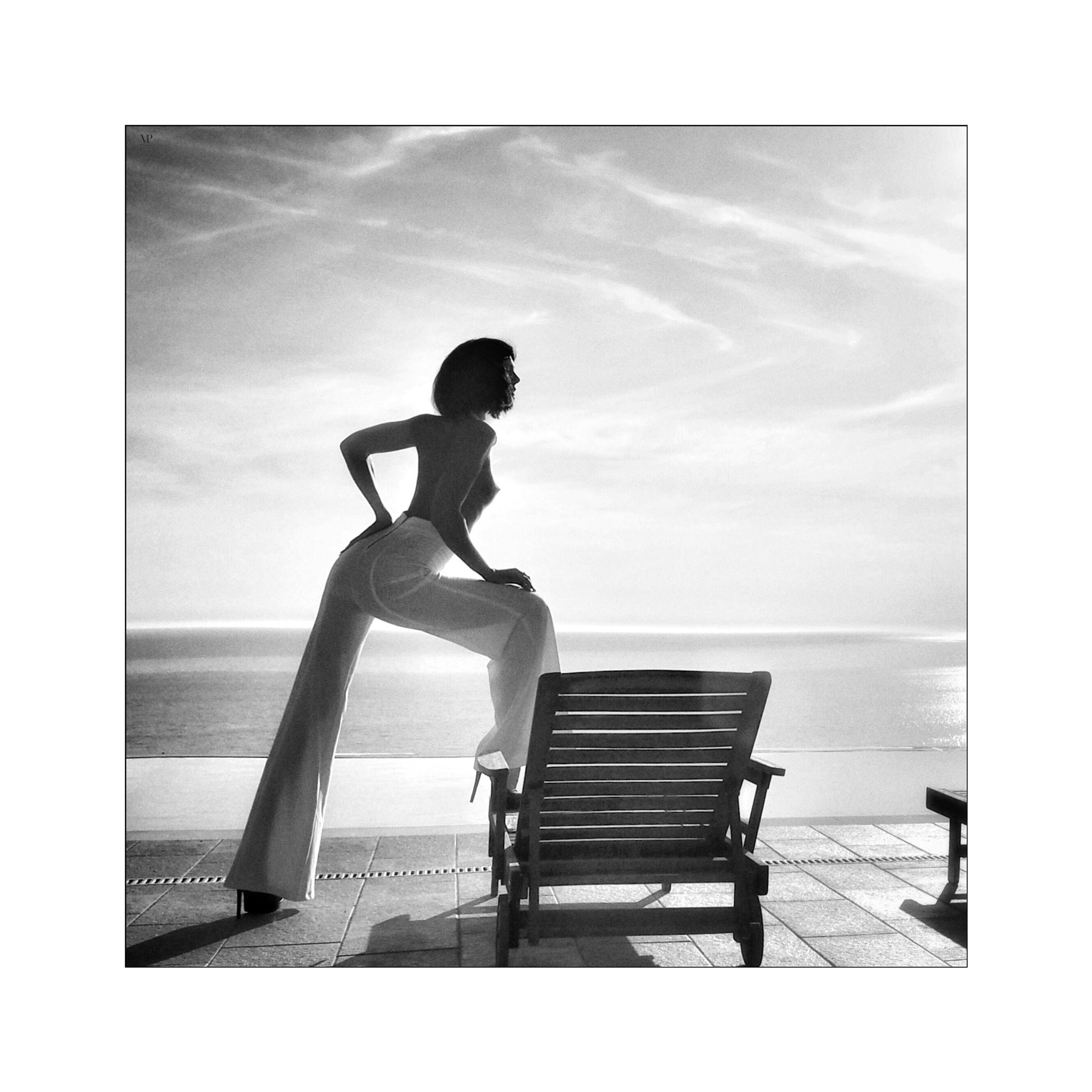 J'aime cette femme mystérieuse   by                         Vassilis Pitoulis     @vpitoulis