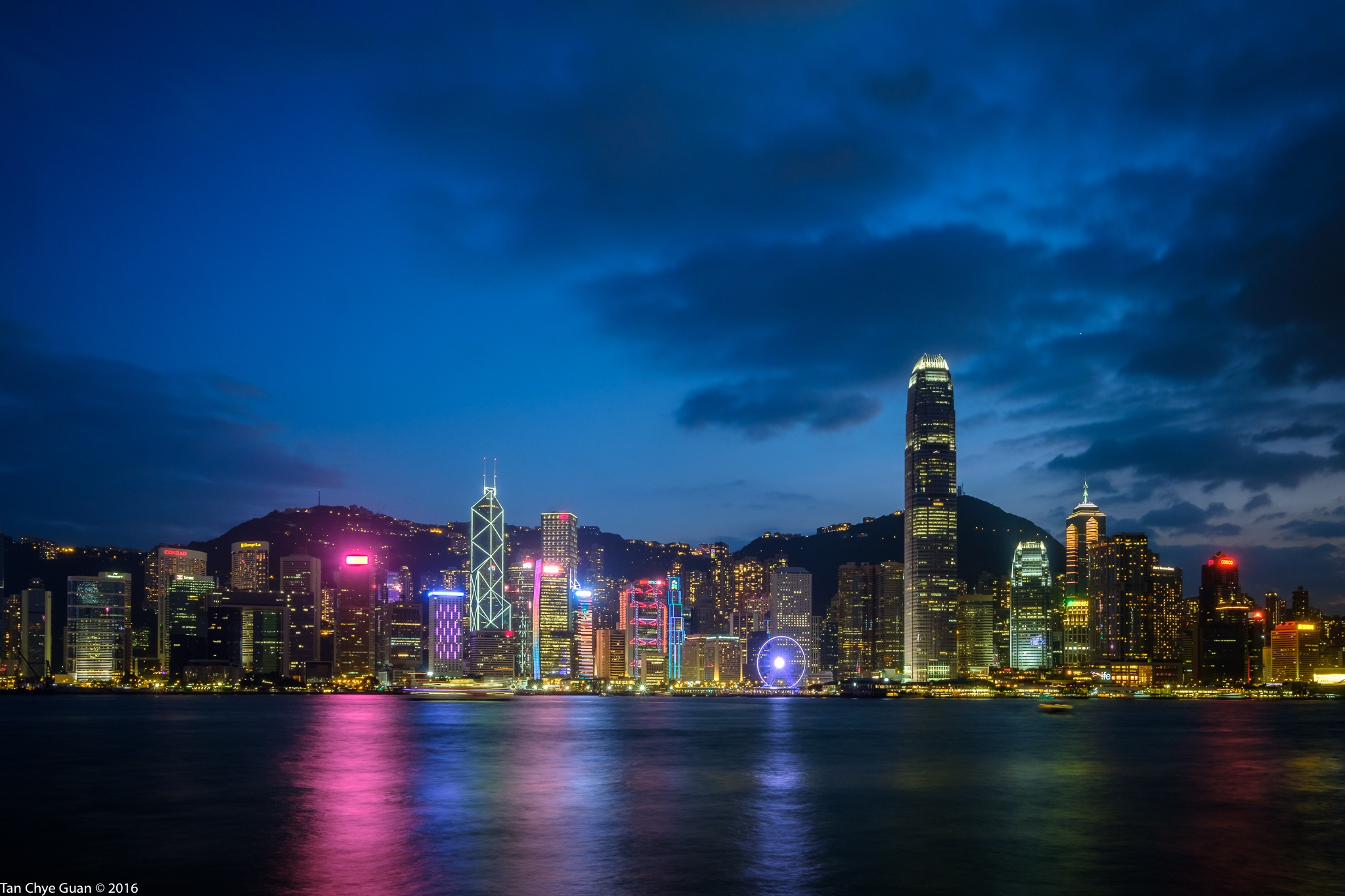 Hong Kong Dazzle by chyeguantan