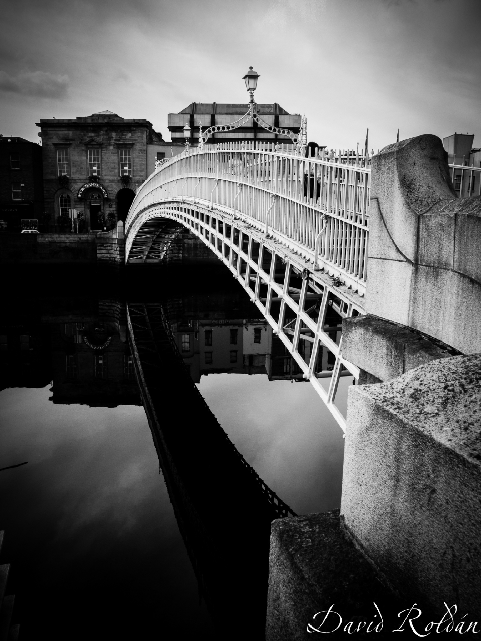 halfpenny bridge, Dublin by David Roldán