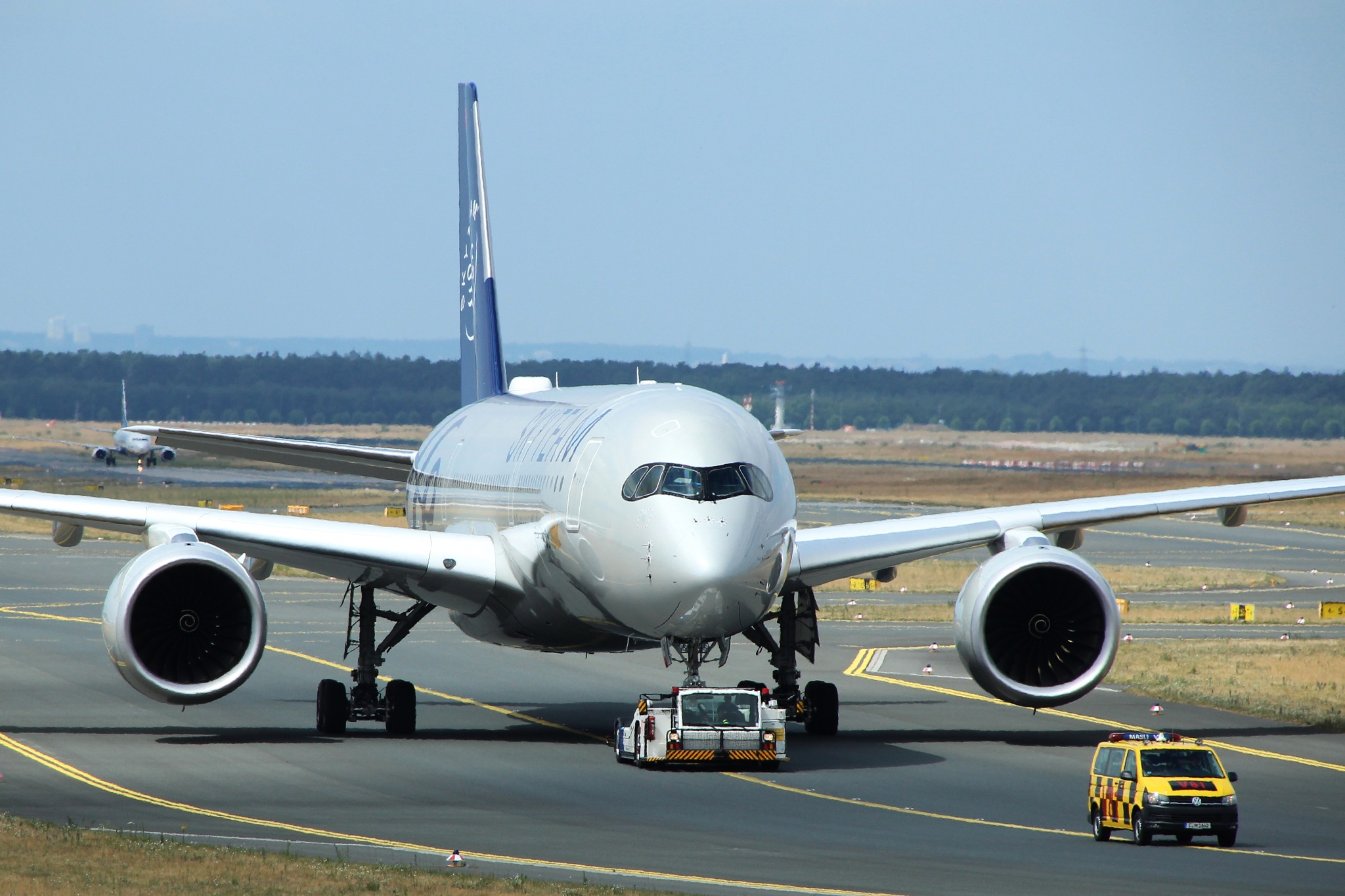 Airbus A350 by KarlsPhotos
