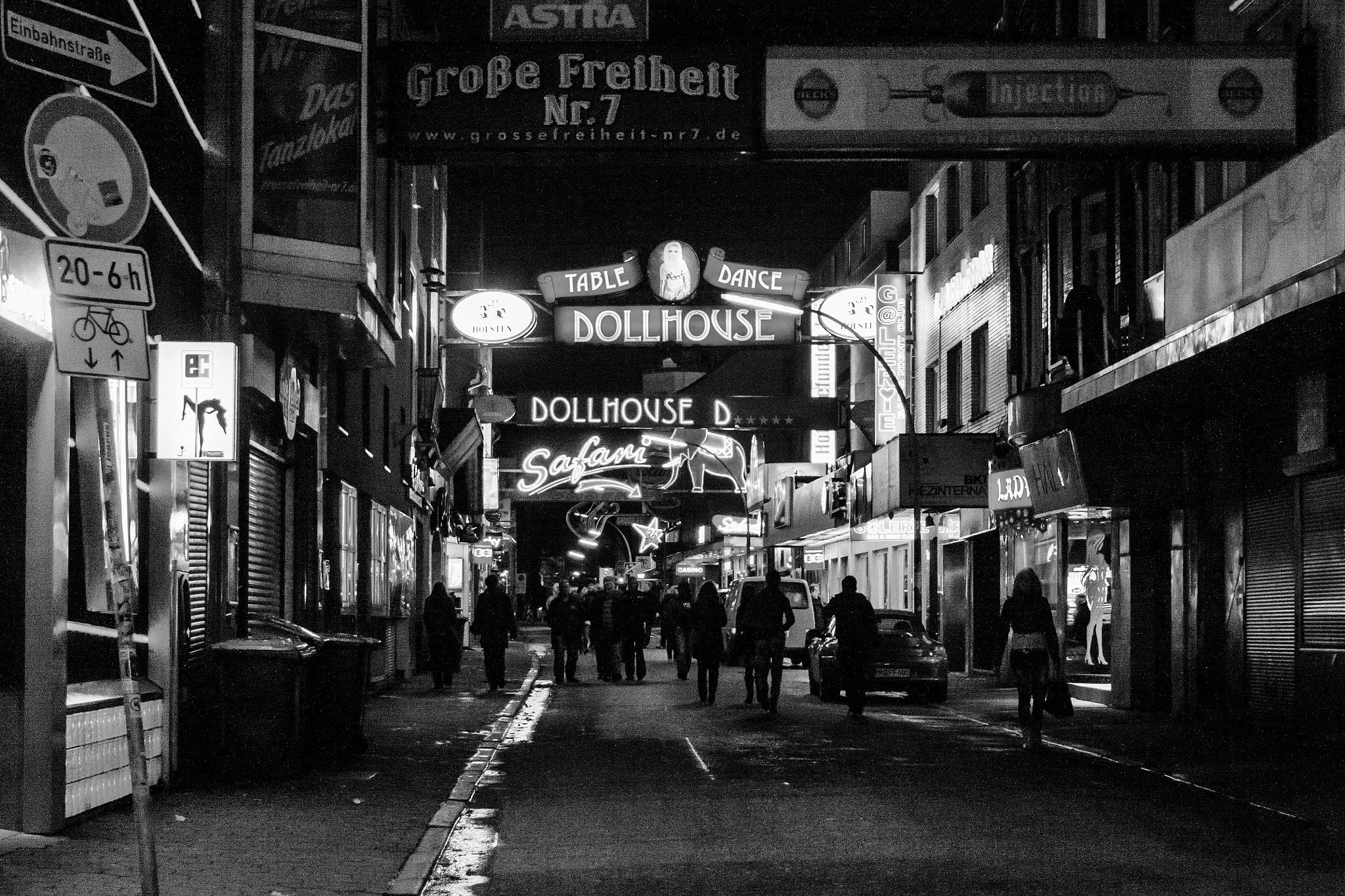 night life by Lothar Bendix