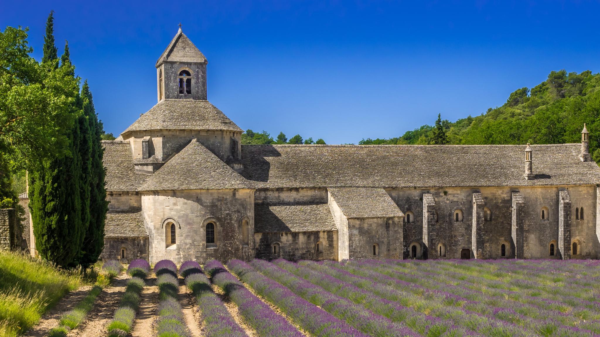 Abbaye de Senanque by GreenGhost
