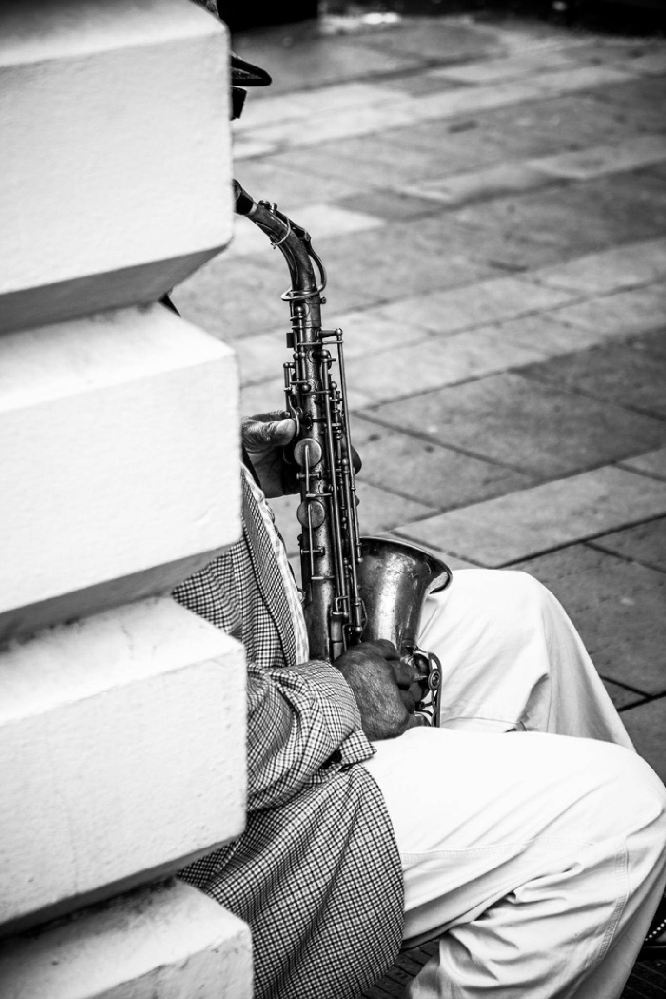 Street music by Xavier Frenoy Photography