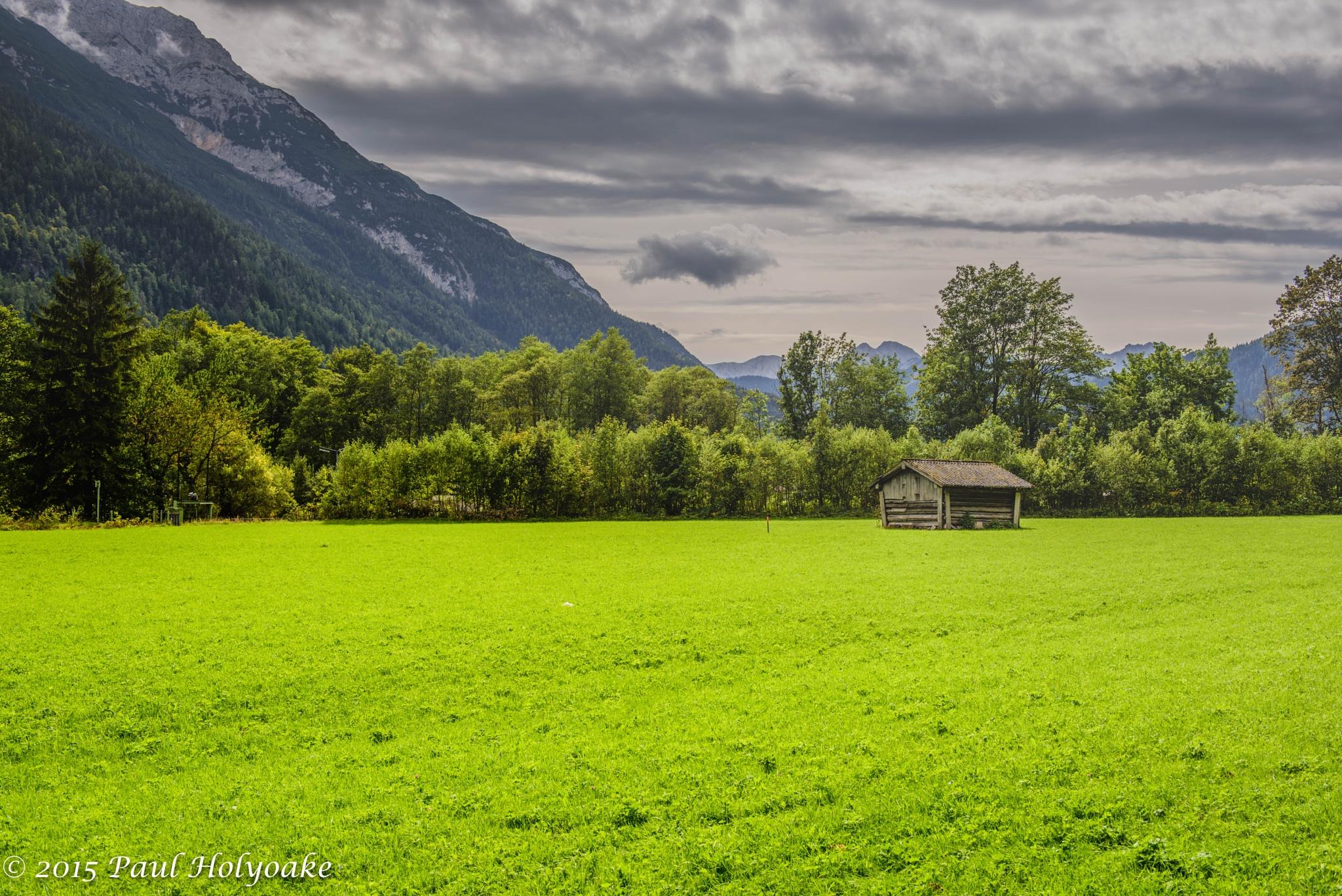 Lone Barn by Photon