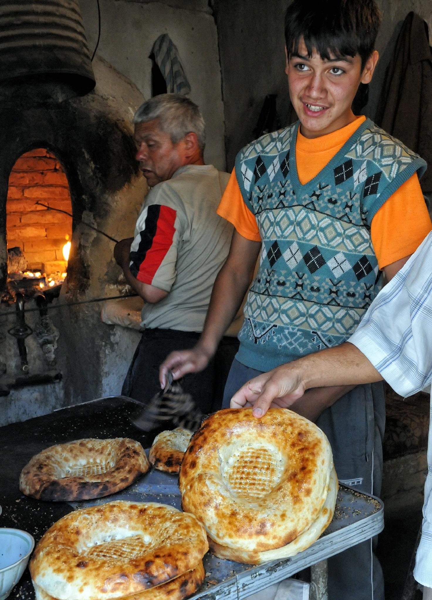 baking bread by per f andersen