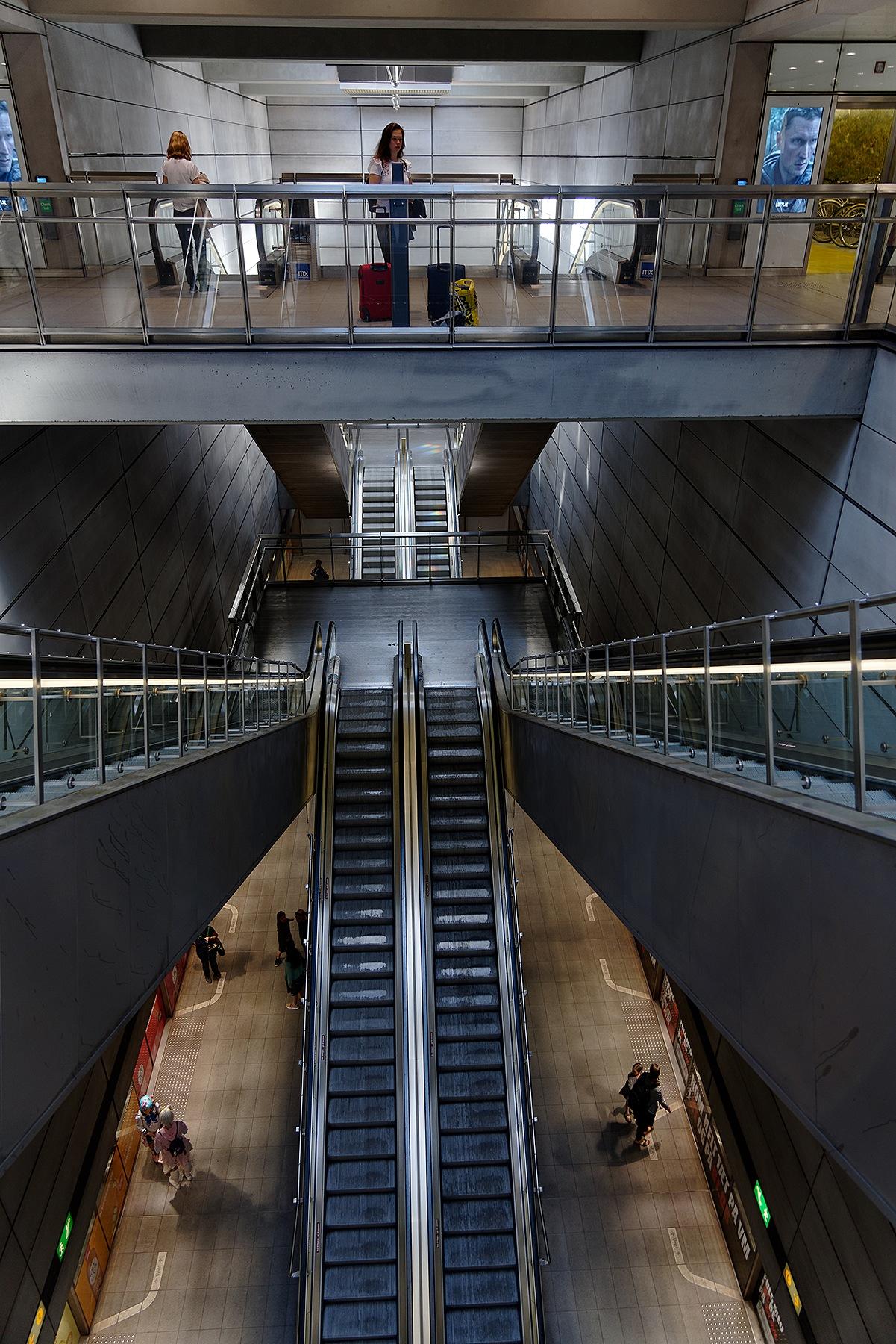 Metro by per f andersen